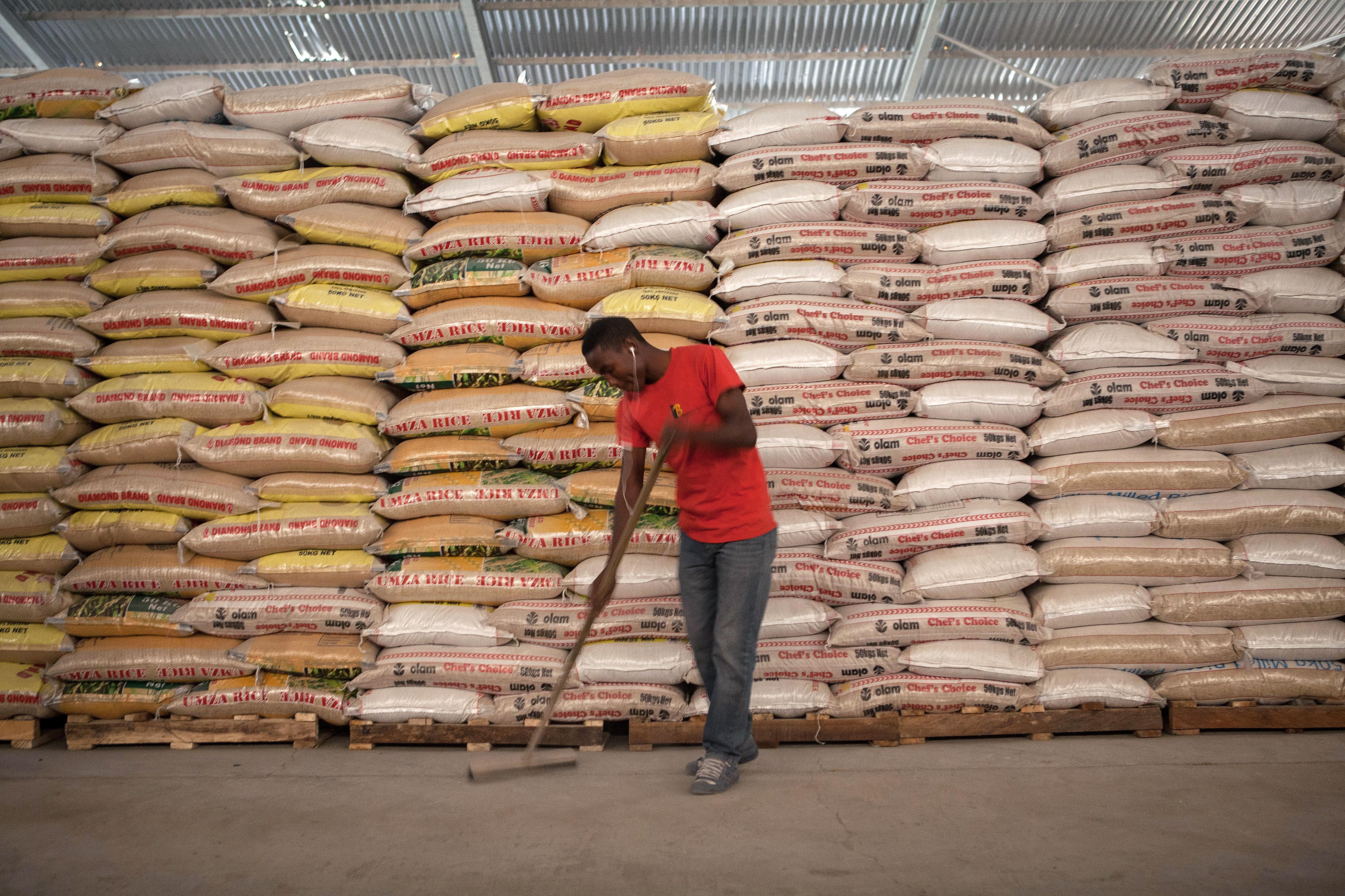Nigériában a menekülteknek küldött adományok felét lenyúlták