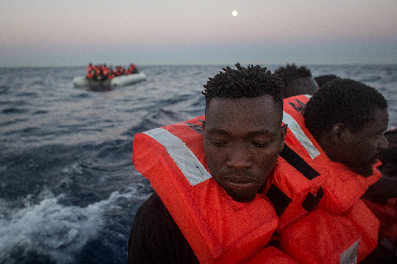 Megtiltotta a migránsokkal teli hajó kikötését az olasz belügyminiszter