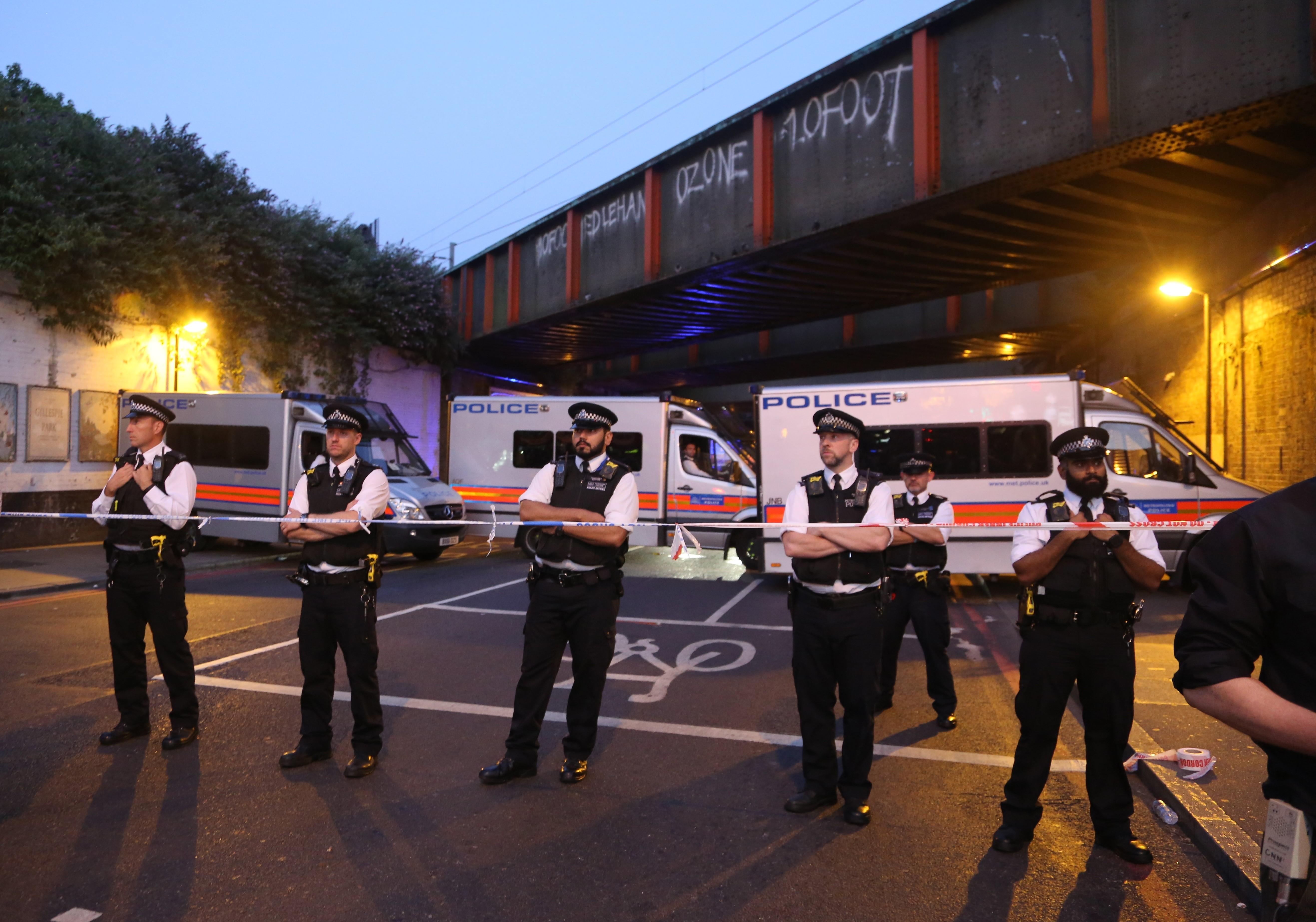 A brit terrortámadások után megnőtt a muszlimok elleni támadások száma