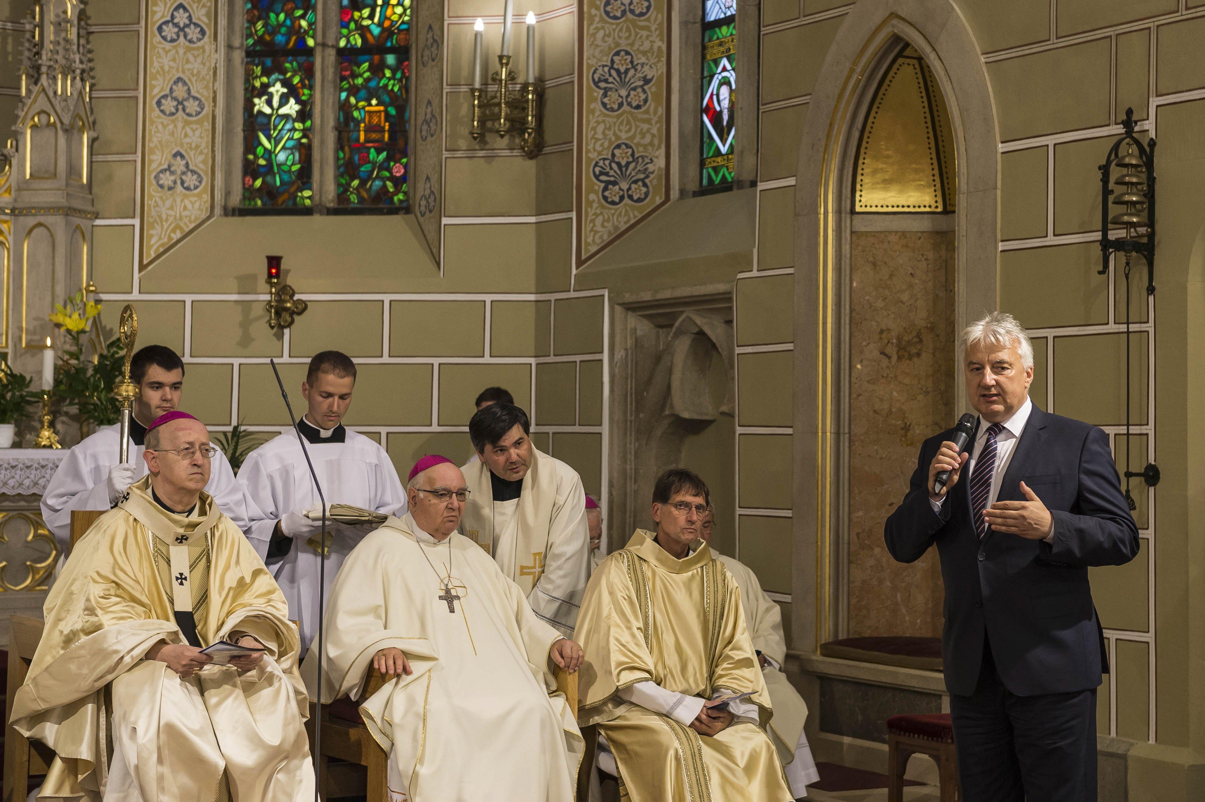 Szombattól újra tartanak nyilvános miséket a katolikus templomokban
