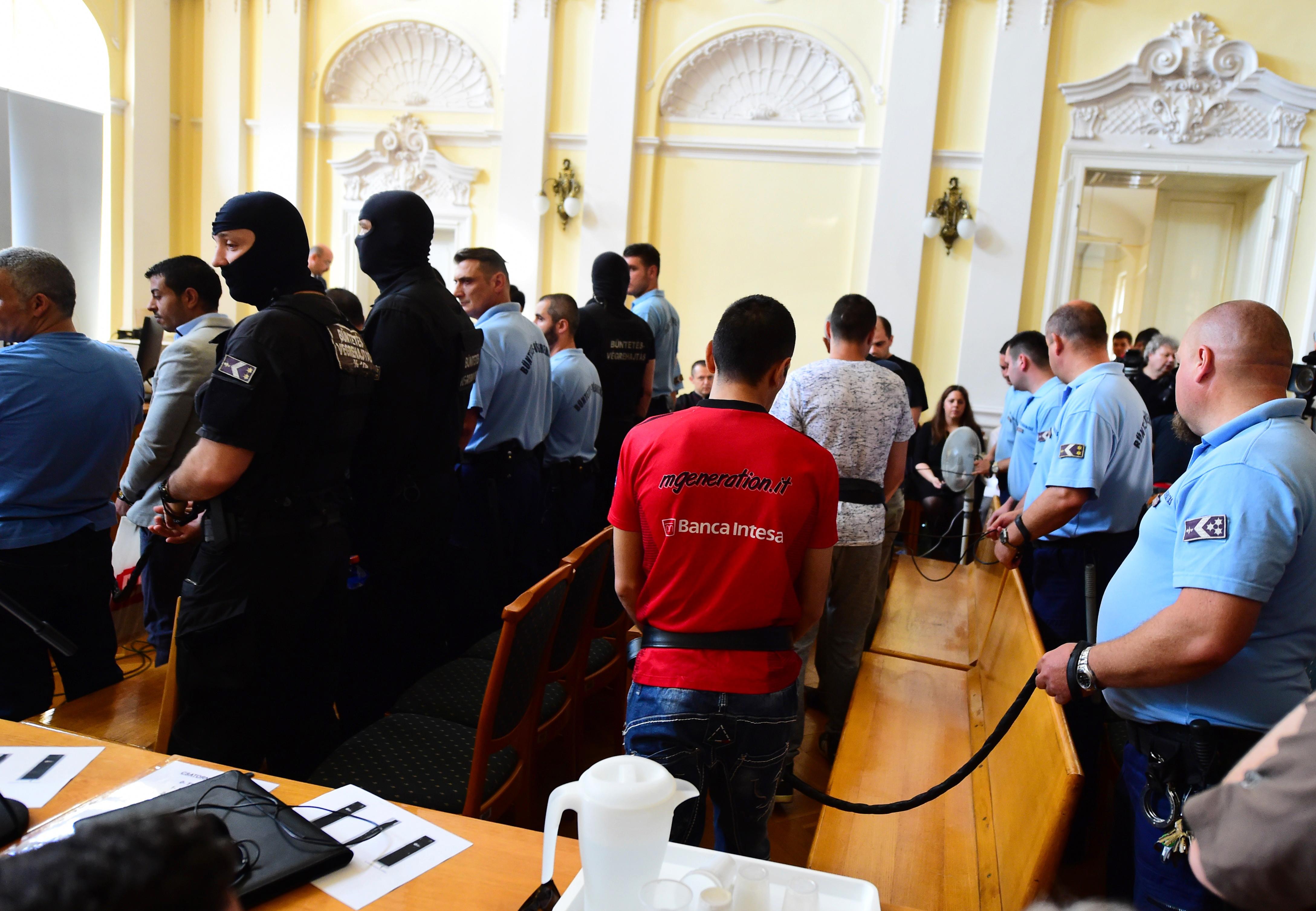 Már 14 vádlott van a halálkamion ügyében