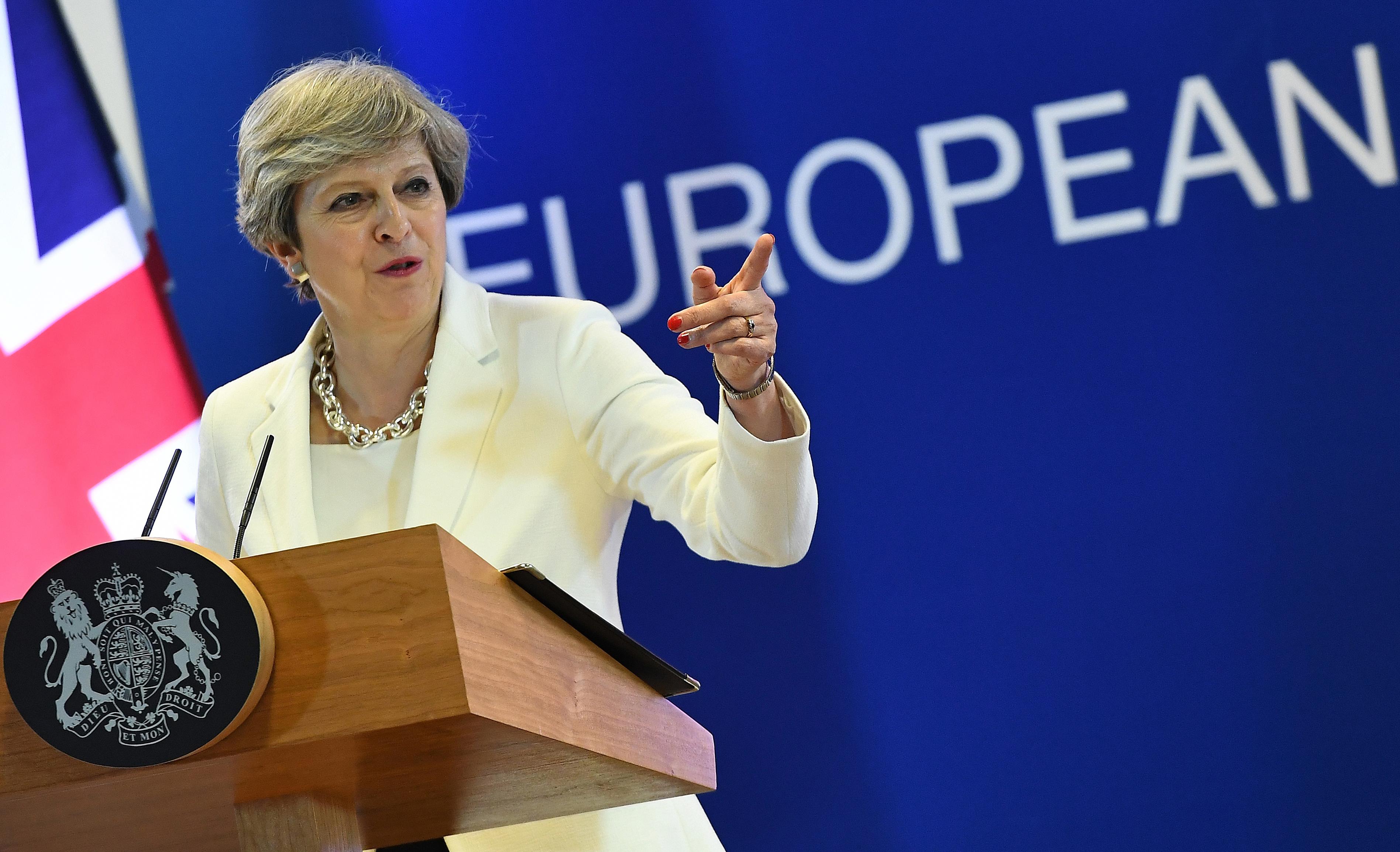 Az Egyesült Királyság kiutasít 23 orosz diplomatát, és felfüggeszt minden magas szintű érintkezést Moszkvával