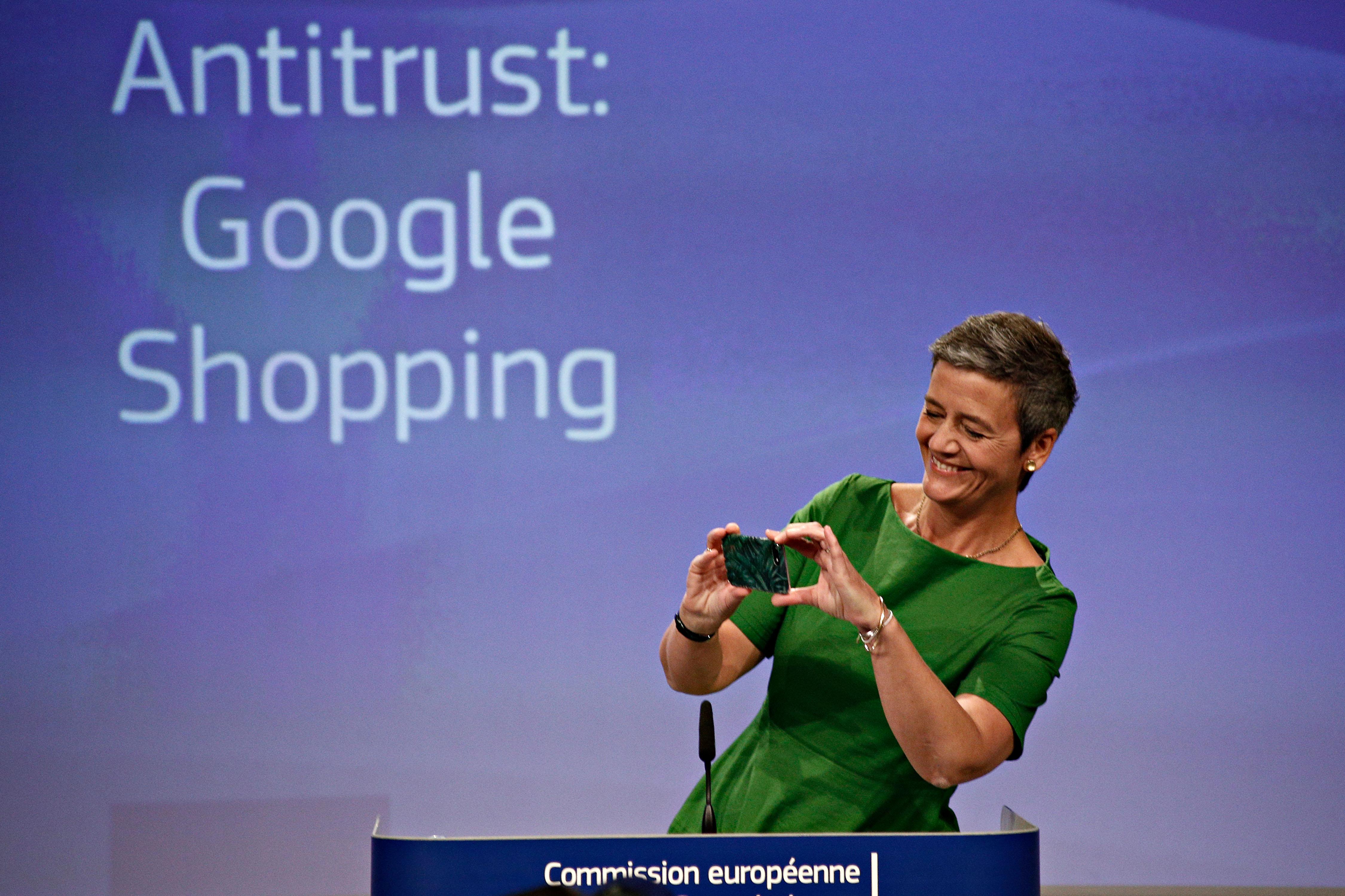 2,42 milliárd euróra büntette a Google-t az Európai Bizottság