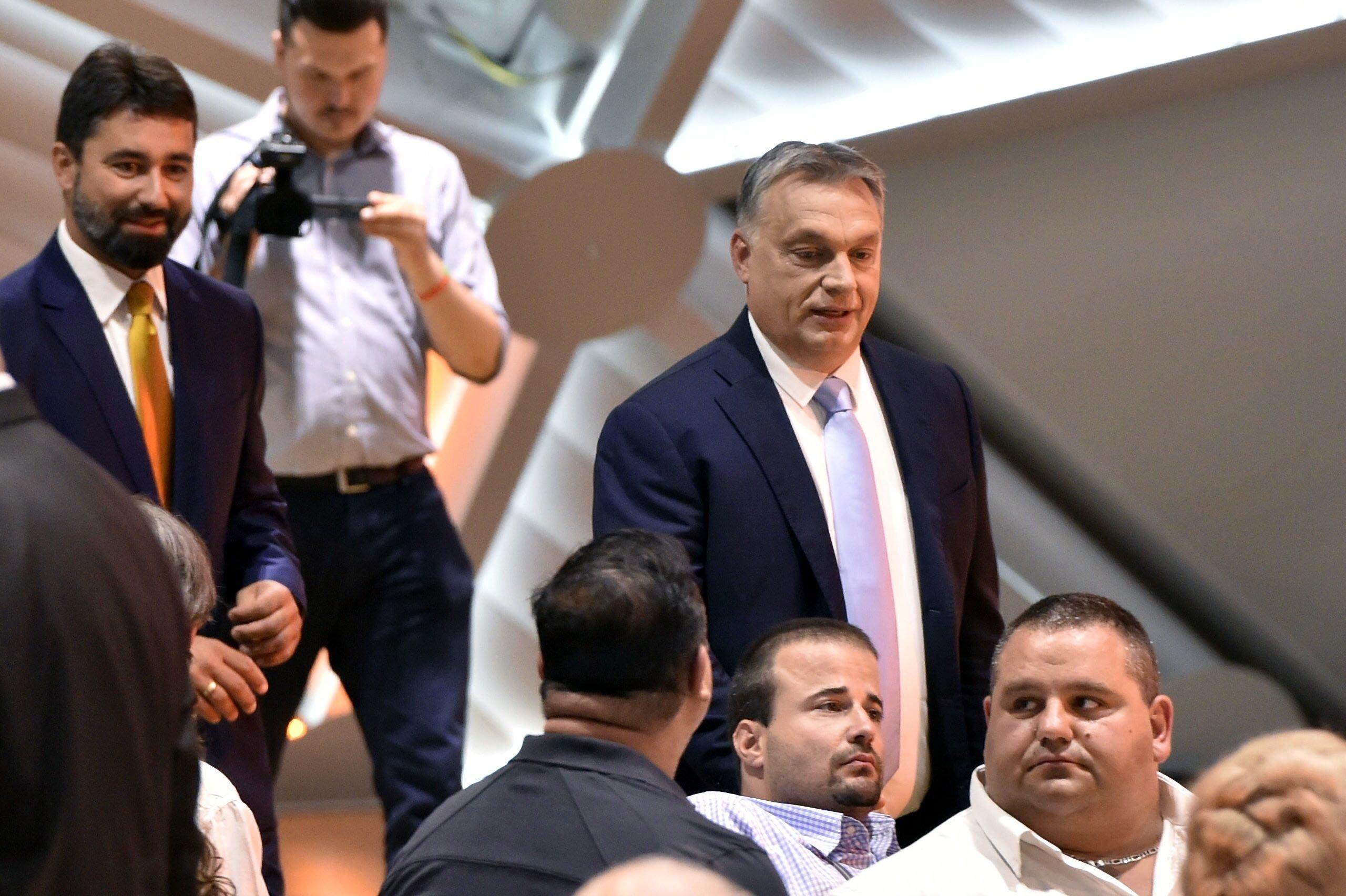 Orbán Viktor: Nem fogjuk hagyni, hogy Soros nevessen a végén