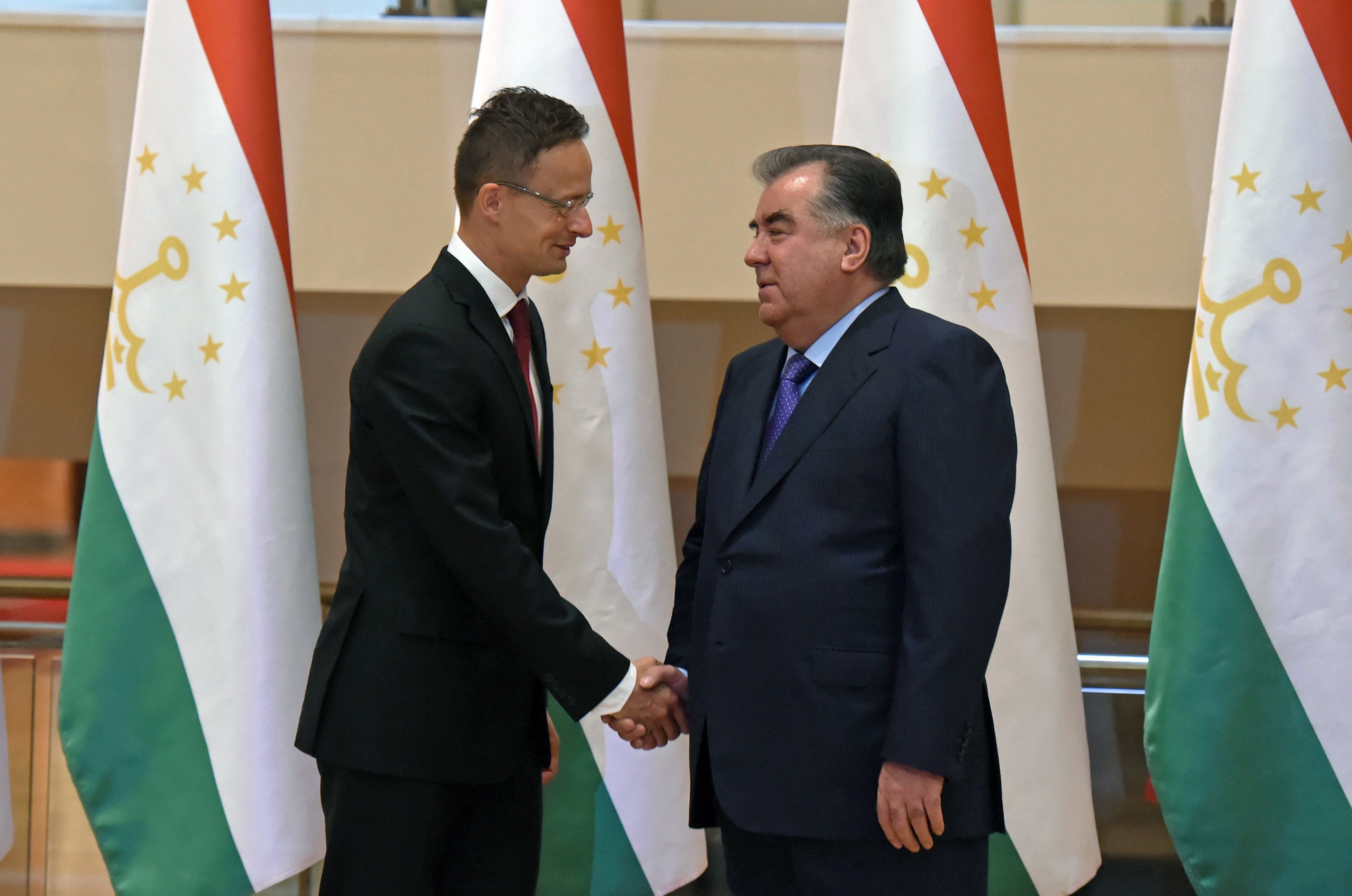 Szijjártó Tádzsikisztánban: Több milliárd forintos beruházási lehetőségek várják a magyar vízügyi cégeket