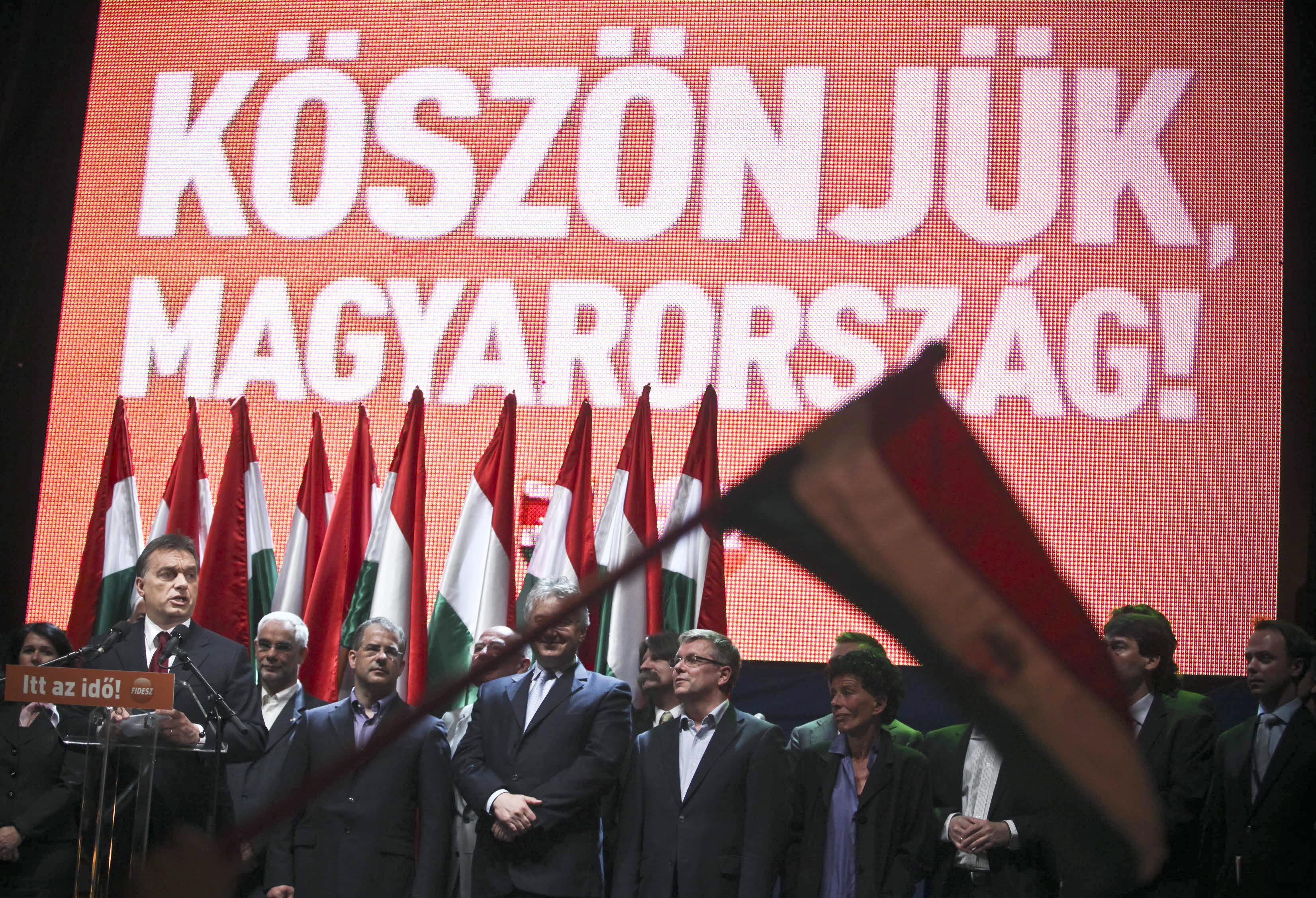 24.hu: A Fidesz a 2010-es plakátköltései harmadát vallotta be