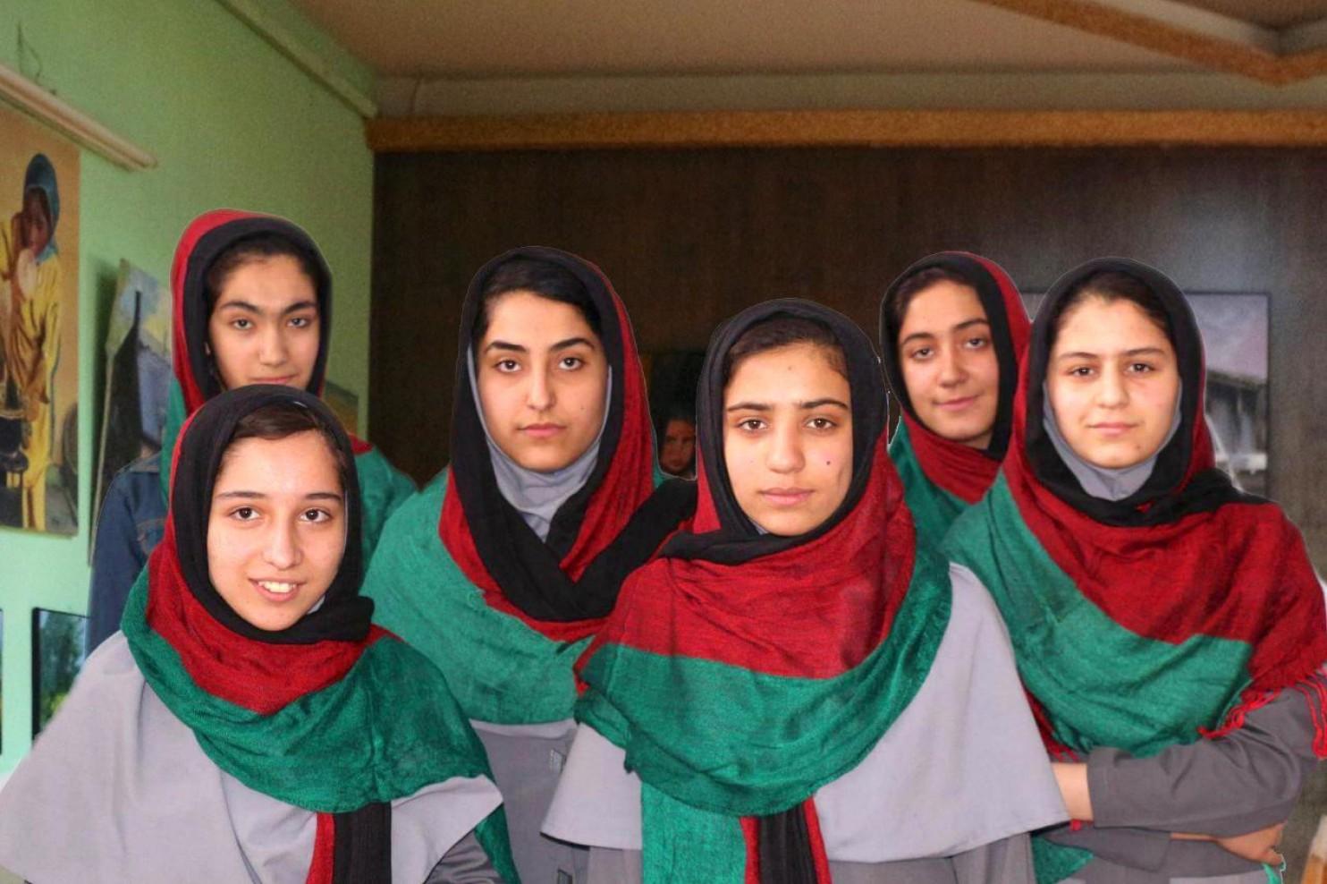 Nem engedték be az USA-ba a robotépítő versenyen induló afgán lányokat