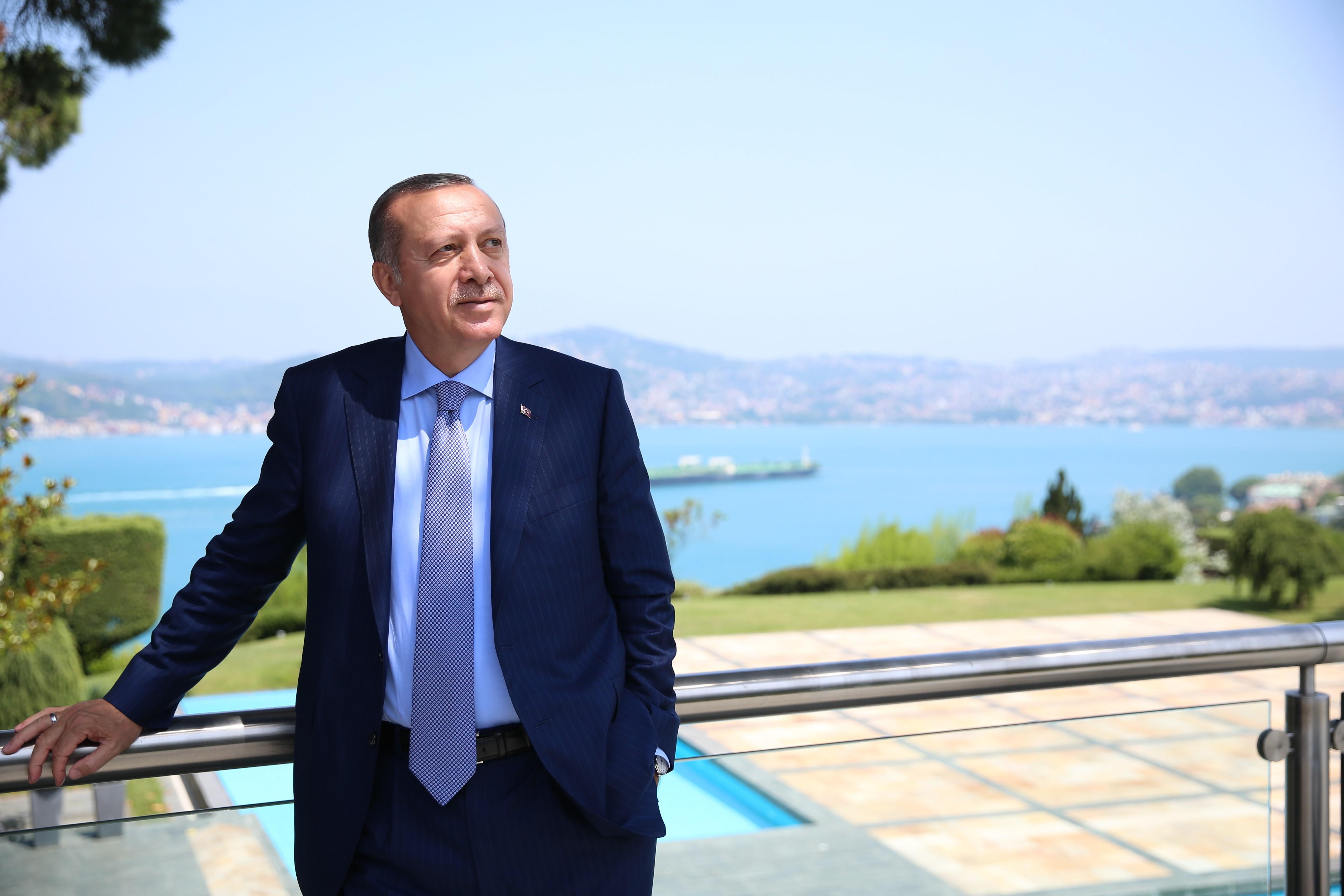 Erdogan levágná a puccsisták fejét