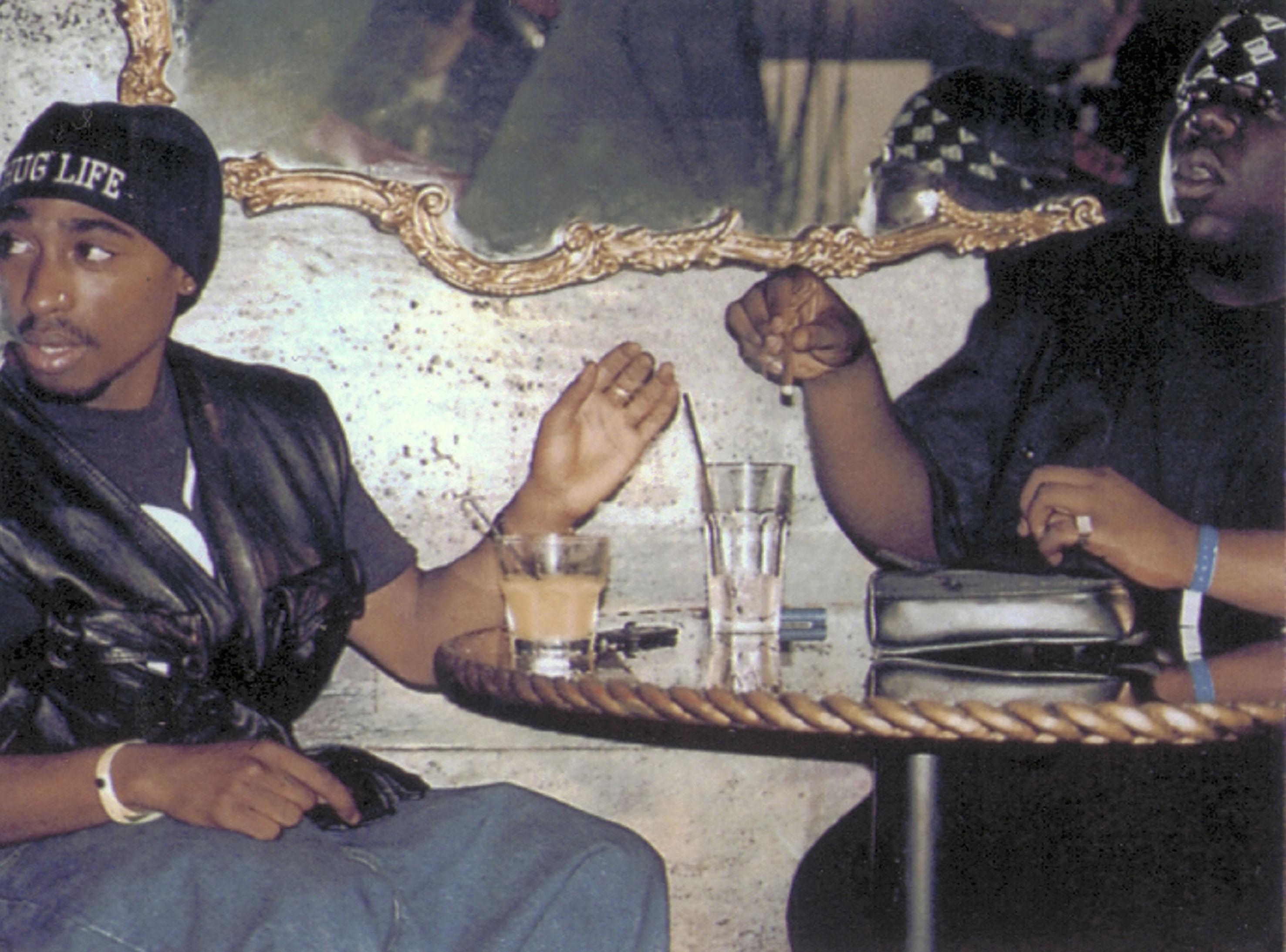 Tupac azért hagyta ott Madonnát, mert fehér