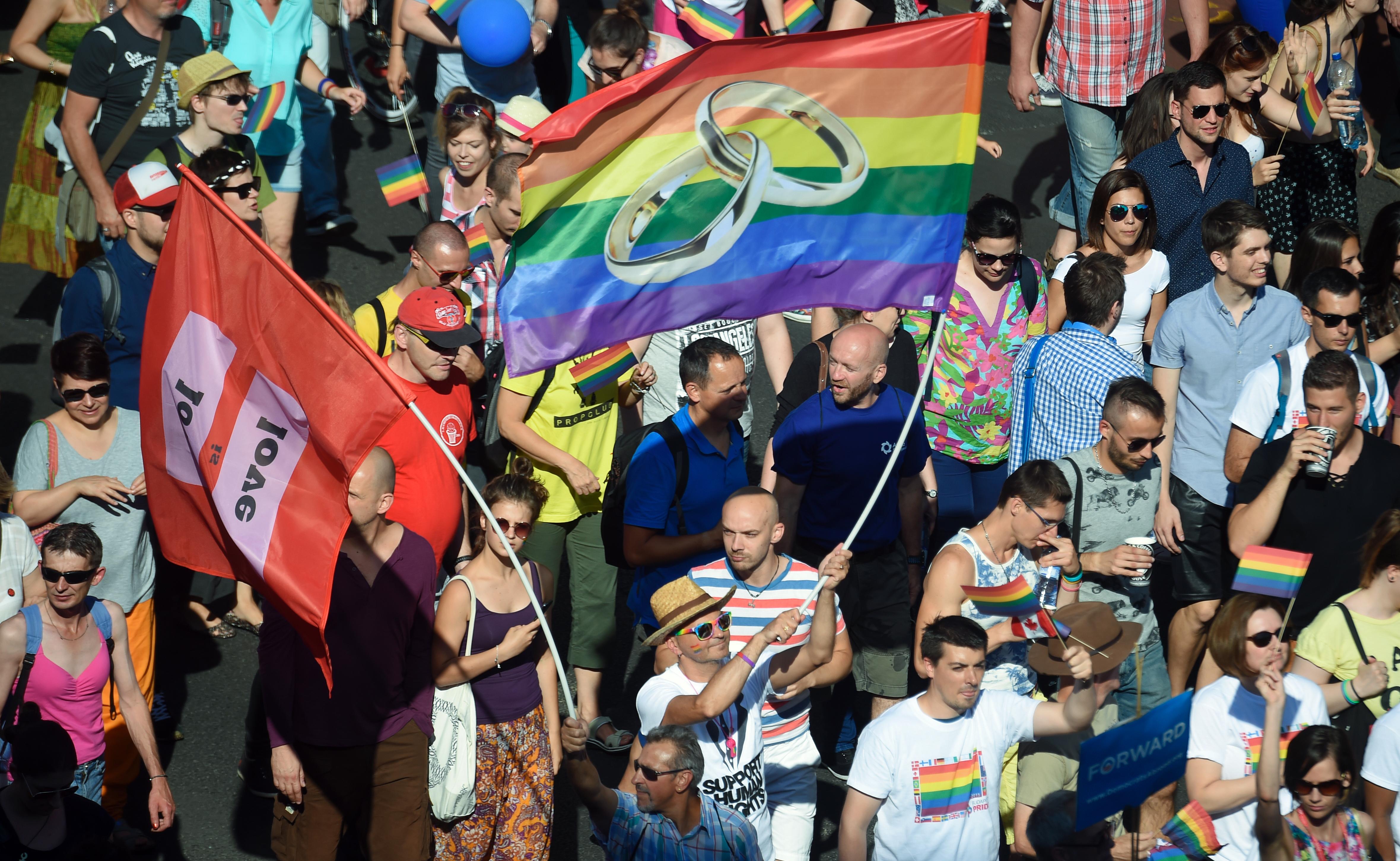 Ipsos: A magyarok majdnem fele támogatná a transzneműek házasságát