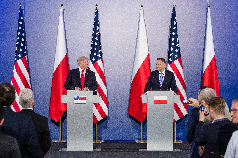 Trump véletlenül kétszer is belegázolt Orbán lelkébe lengyelországi látogatásán