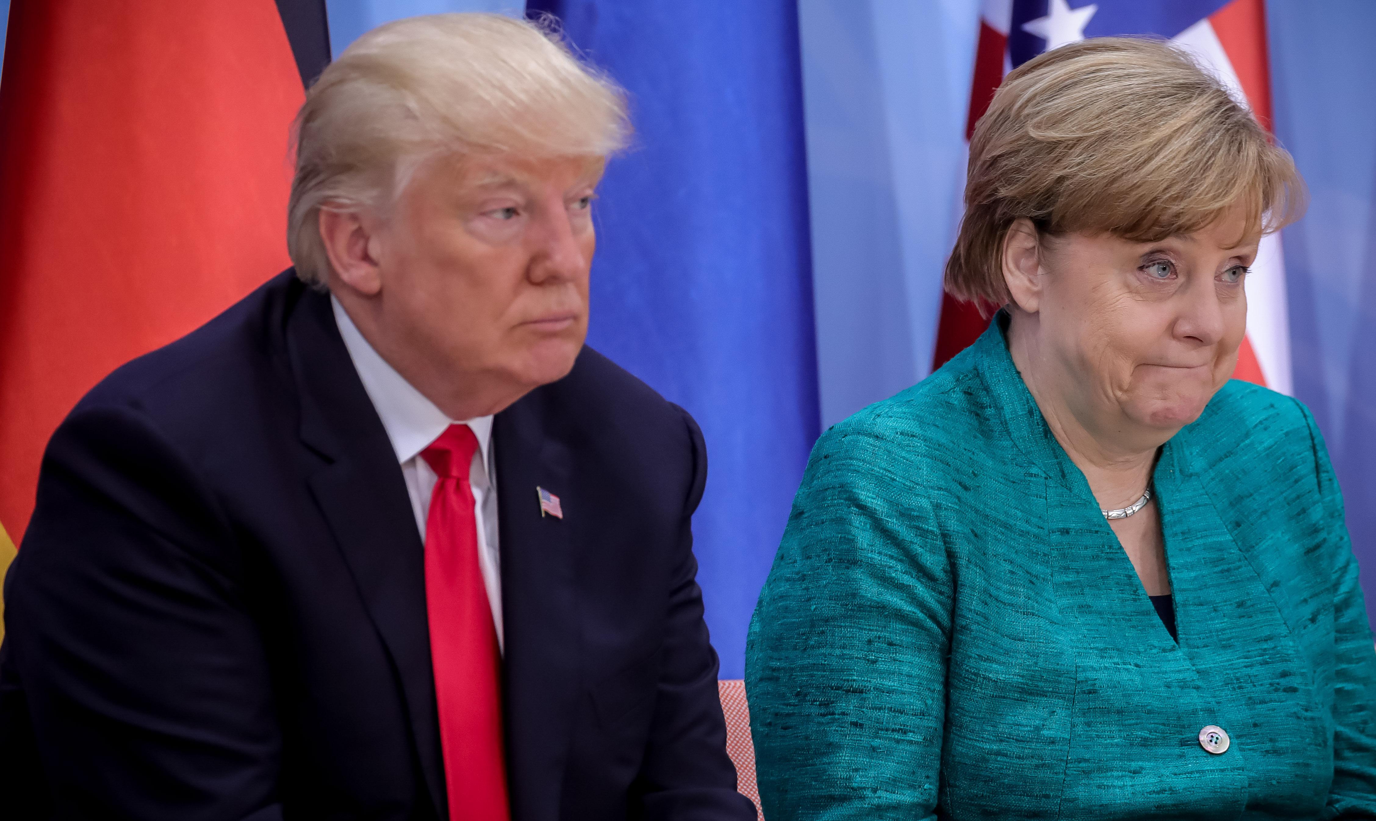 Információkat kértek a Deutsche Banktól Trumpék számláiról