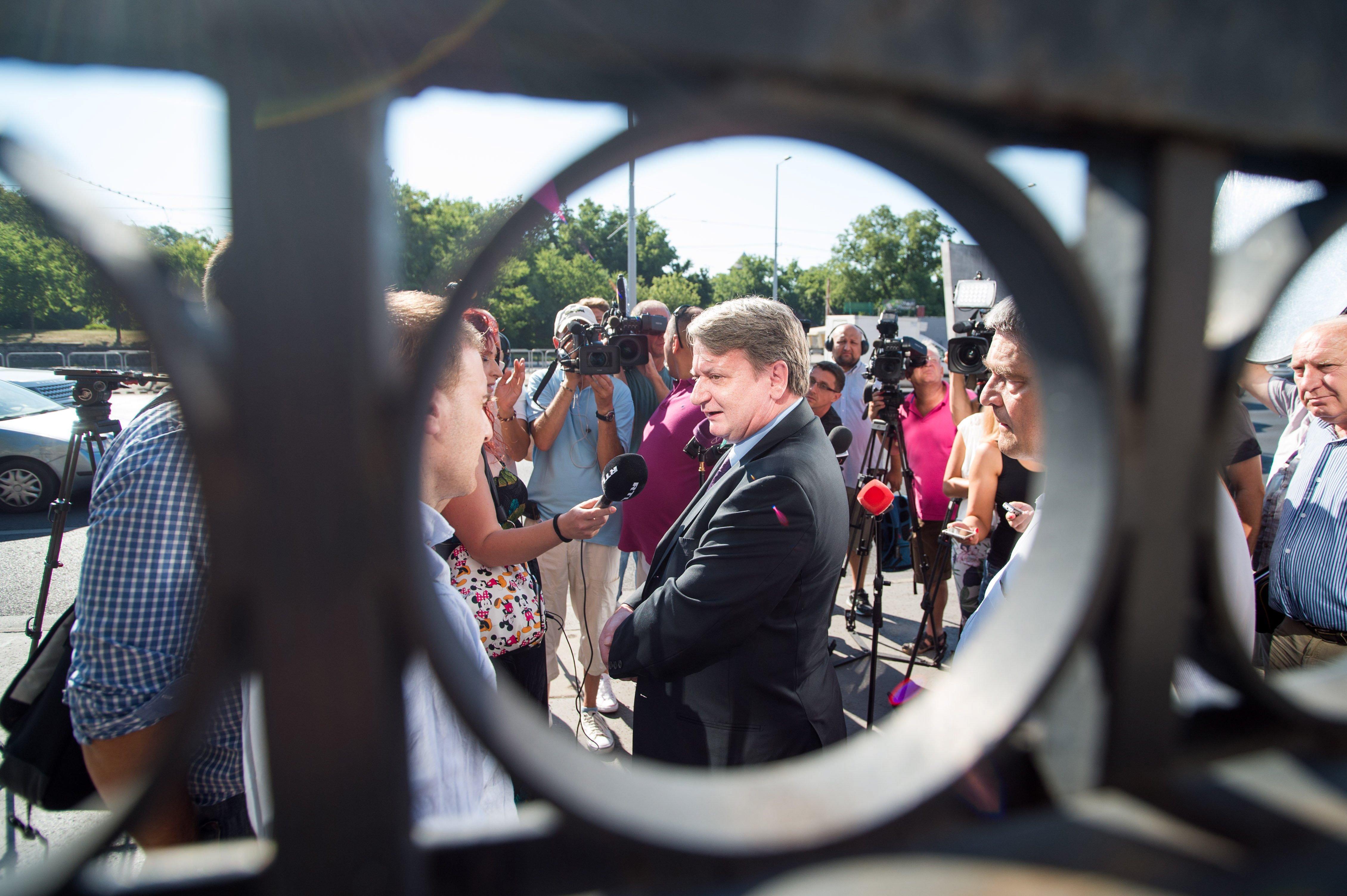 Elkezdődött Kovács Béla kémpere, államtitok miatt zárt ajtók mögött tartják az előkészítő ülést