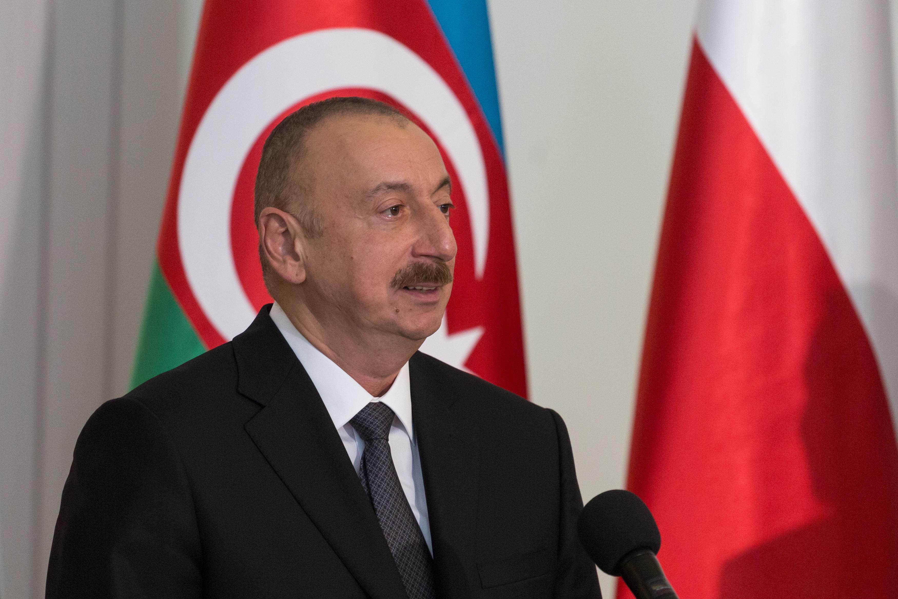 Azerbajdzsánban több tucat homoszexuális embert tartóztattak le, volt, akit össze is vertek a rendőrök