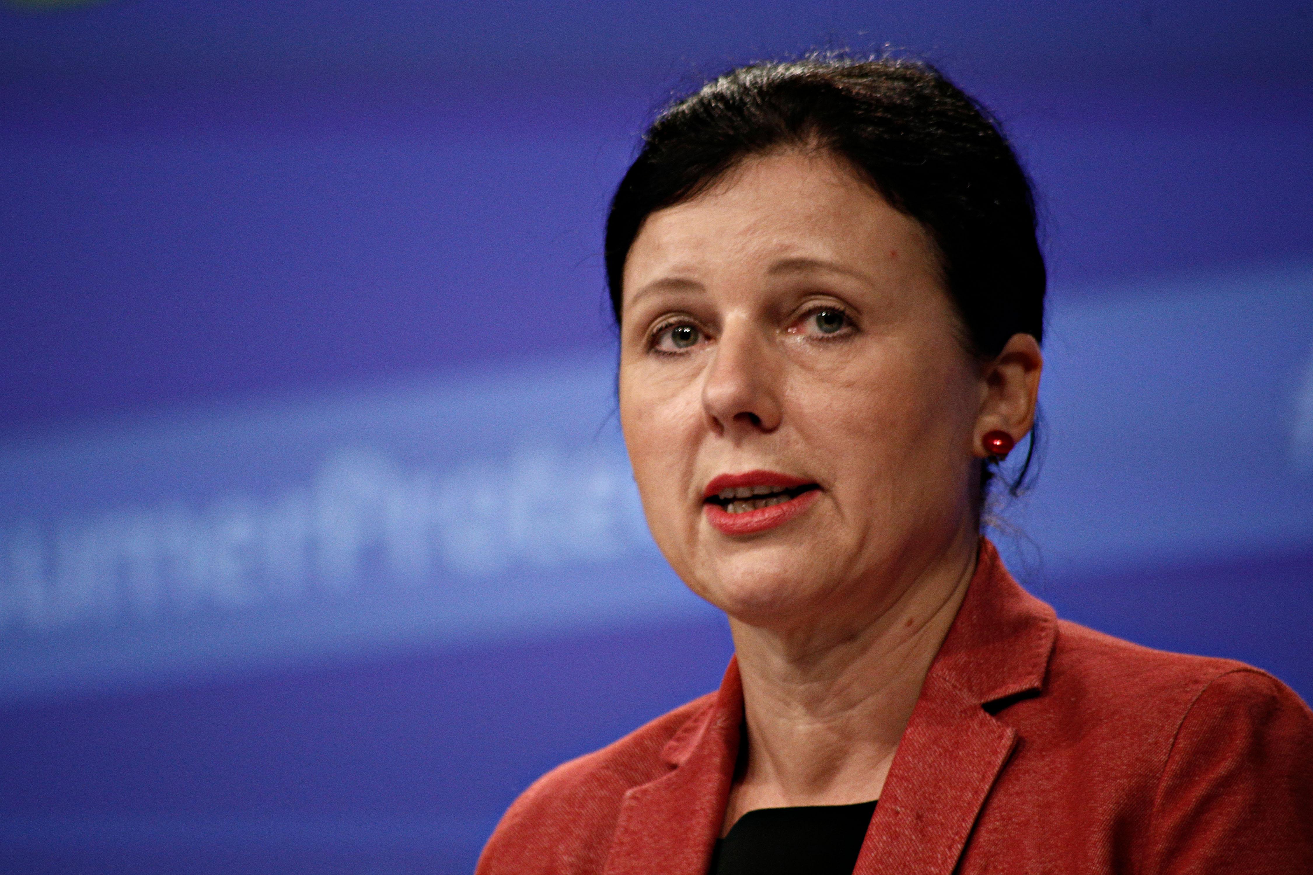 """Az Európai Bizottság alelnöke szerint a nemzeti konzultáció állítása Brüsszelről """"fake news, nem igaz"""""""