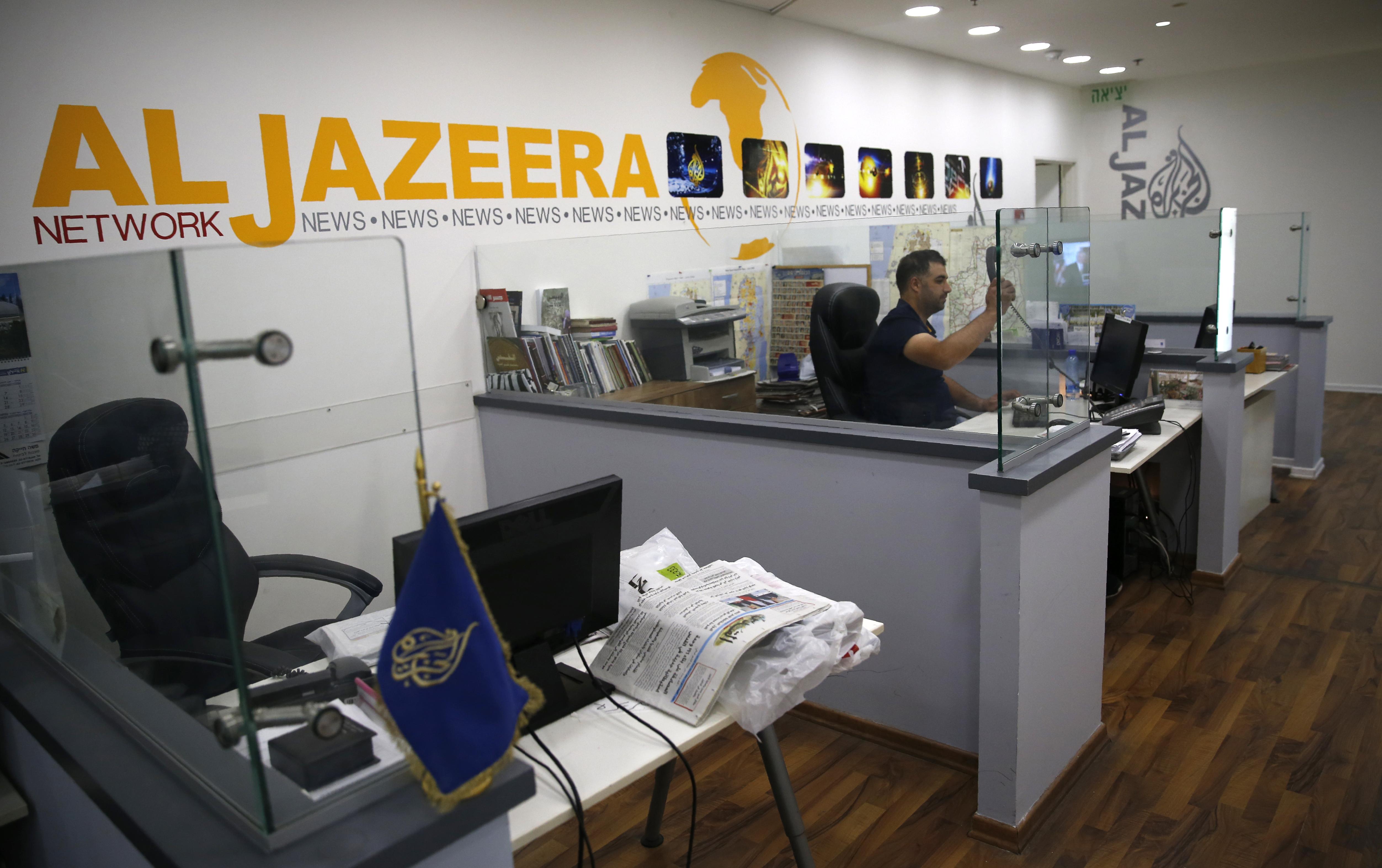 Izrael is kiutasította az Al-Dzsazíra újságíróit