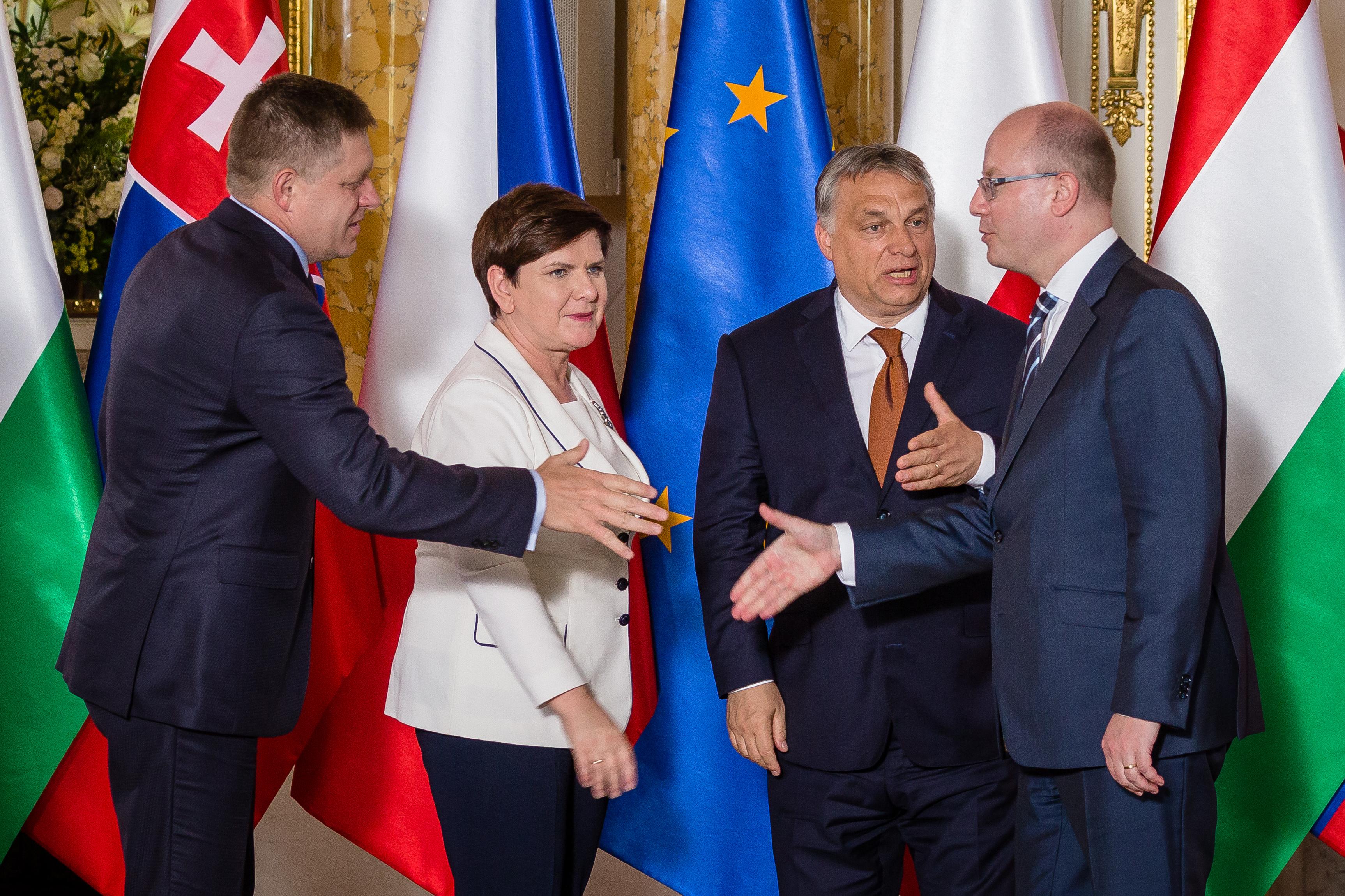 A szlovák nagykövet szerint az idegenellenesség és a hisztériakeltés nem oldja meg a menekültválságot