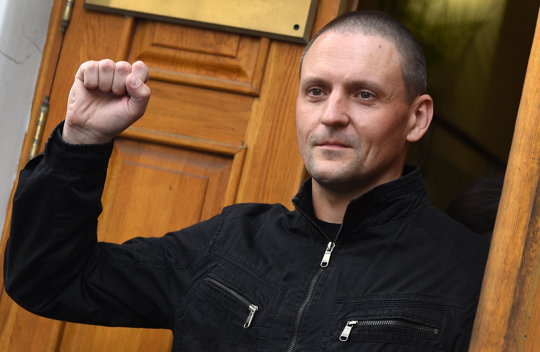 Több mint három év börtön után is folytatja a kormányellenes tüntetéseket Szergej Udalcov orosz ellenzéki vezető