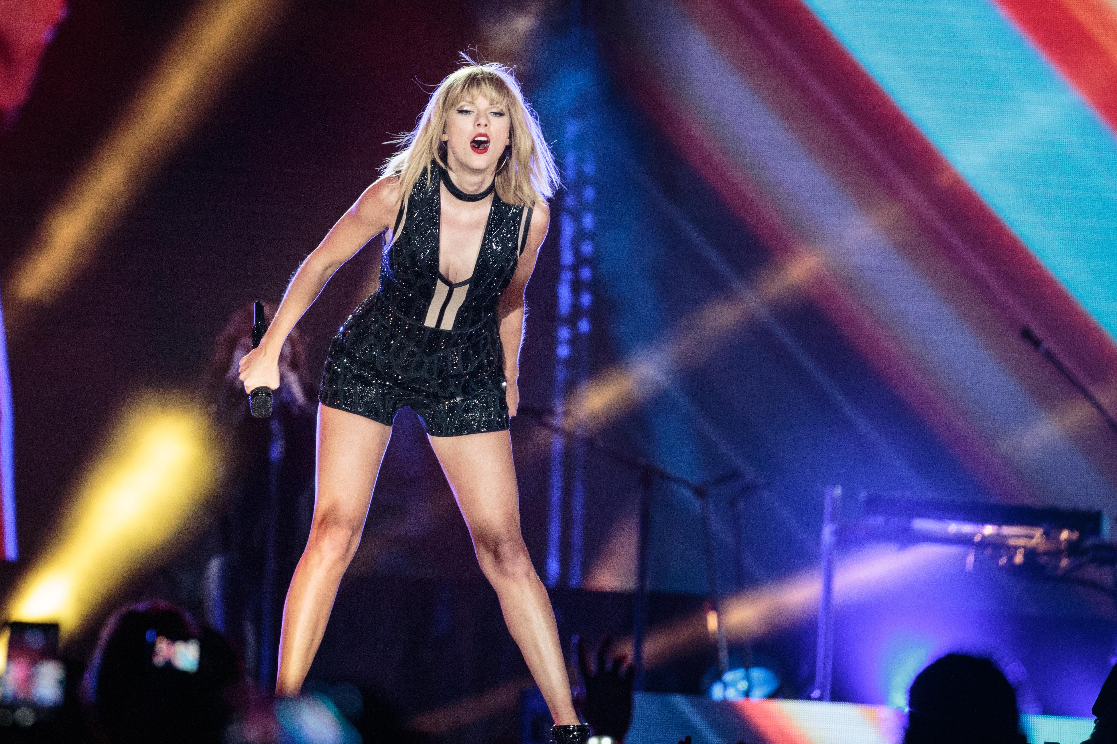 Arcfelismerővel keresték Taylor Swift zaklatóit az énekesnő koncertjén