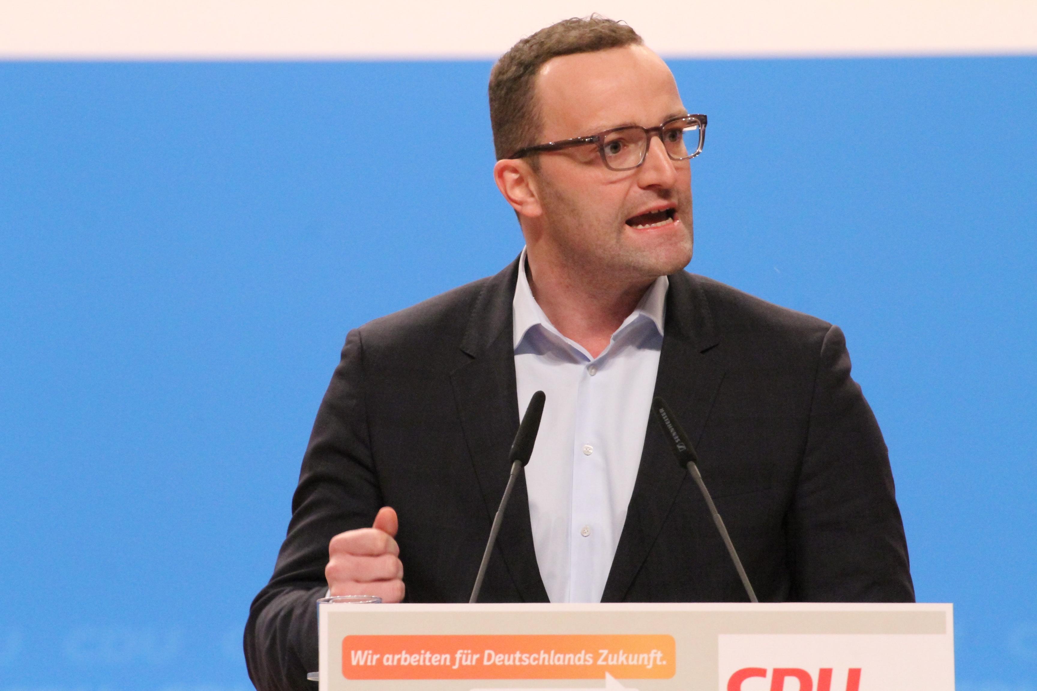 A német egészségügyi miniszter is elkapta a koronavírust