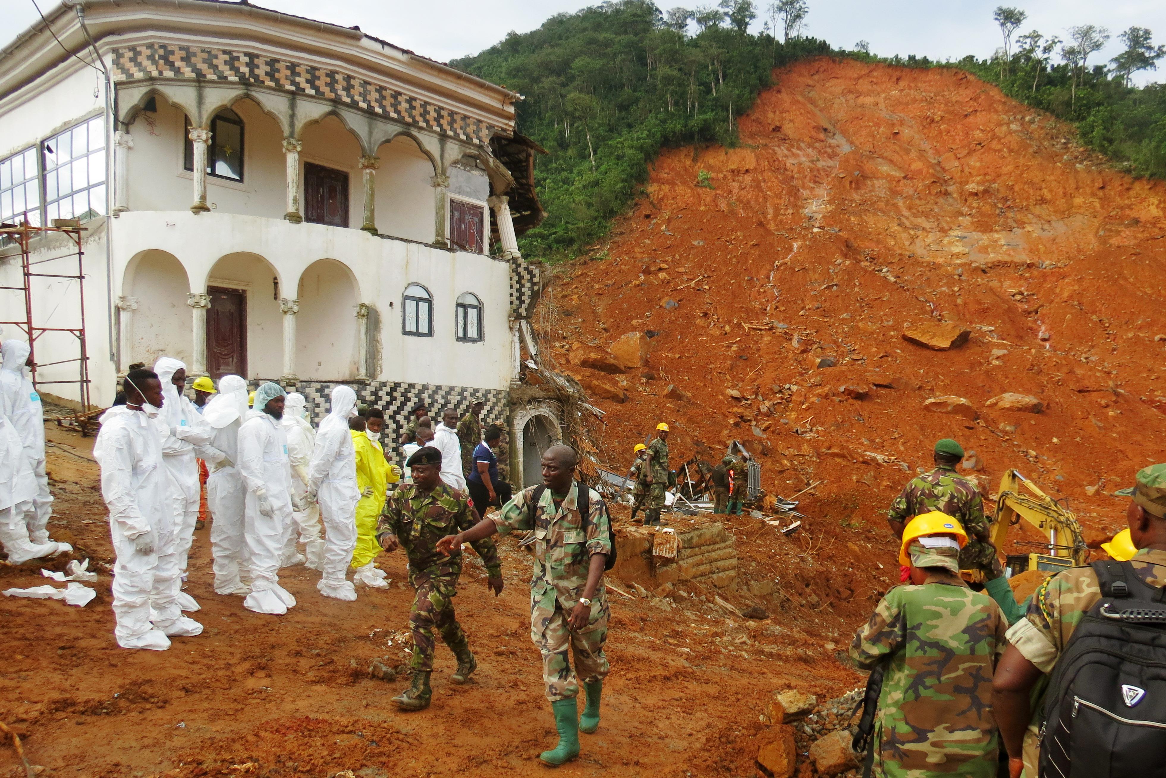 Sierra Leonéban 400 halottat találtak a földcsuszamlás után