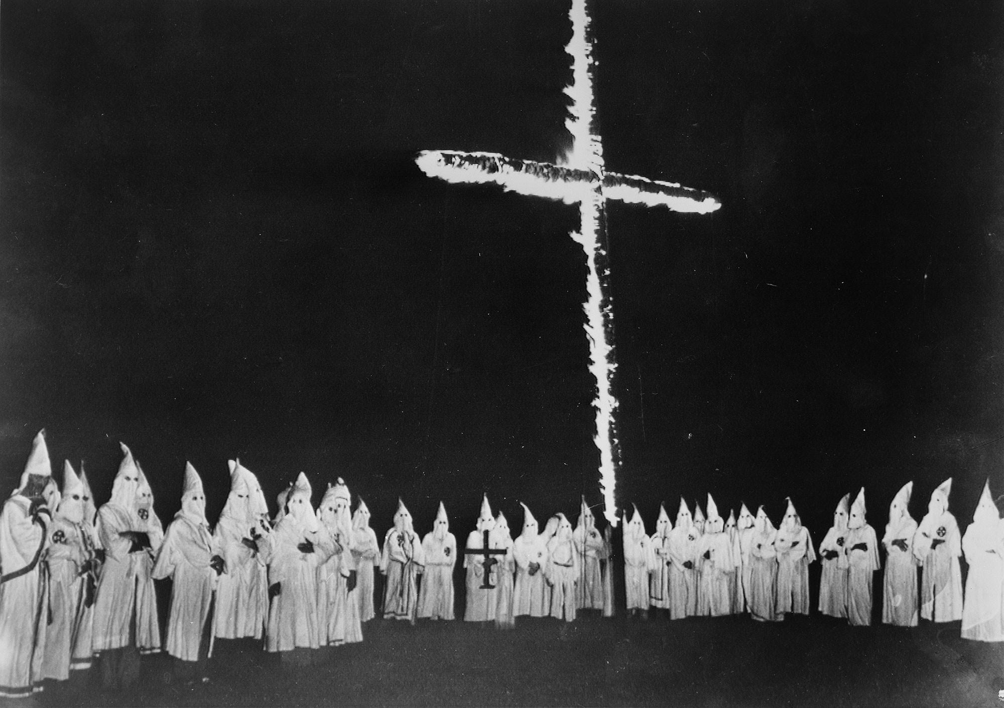 Kérvényt nyújtott be a Ku-Klux-Klan, hogy keresztet égethessenek egy hegy tetején, de elutasították az igényüket