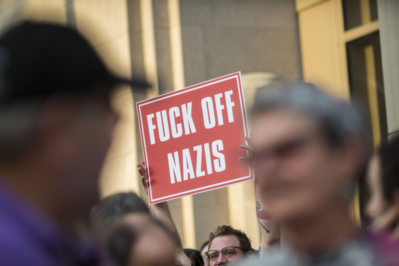 Sosem látott mértékű online bojkott indult a neonáci tartalmak ellen