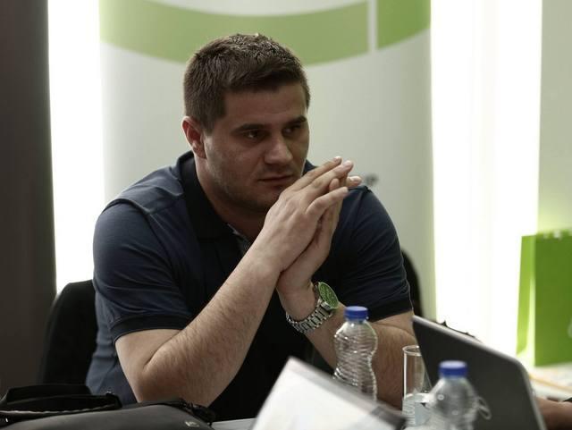 Megvertek egy oknyomozó újságírót Koszovóban