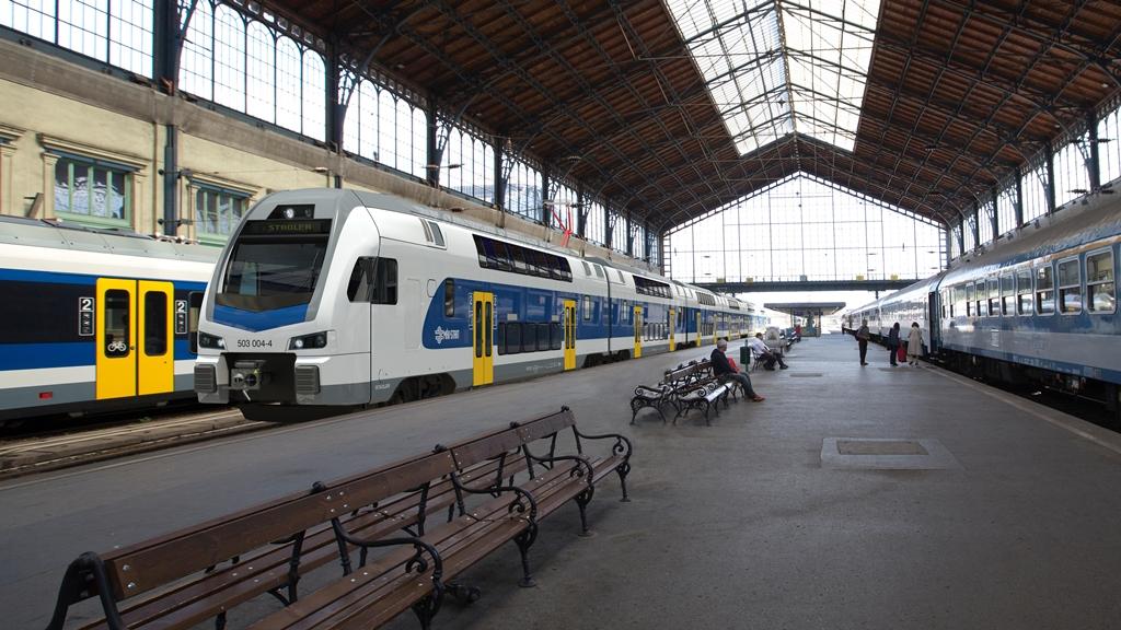 Emeletes vonatokat vesz a MÁV