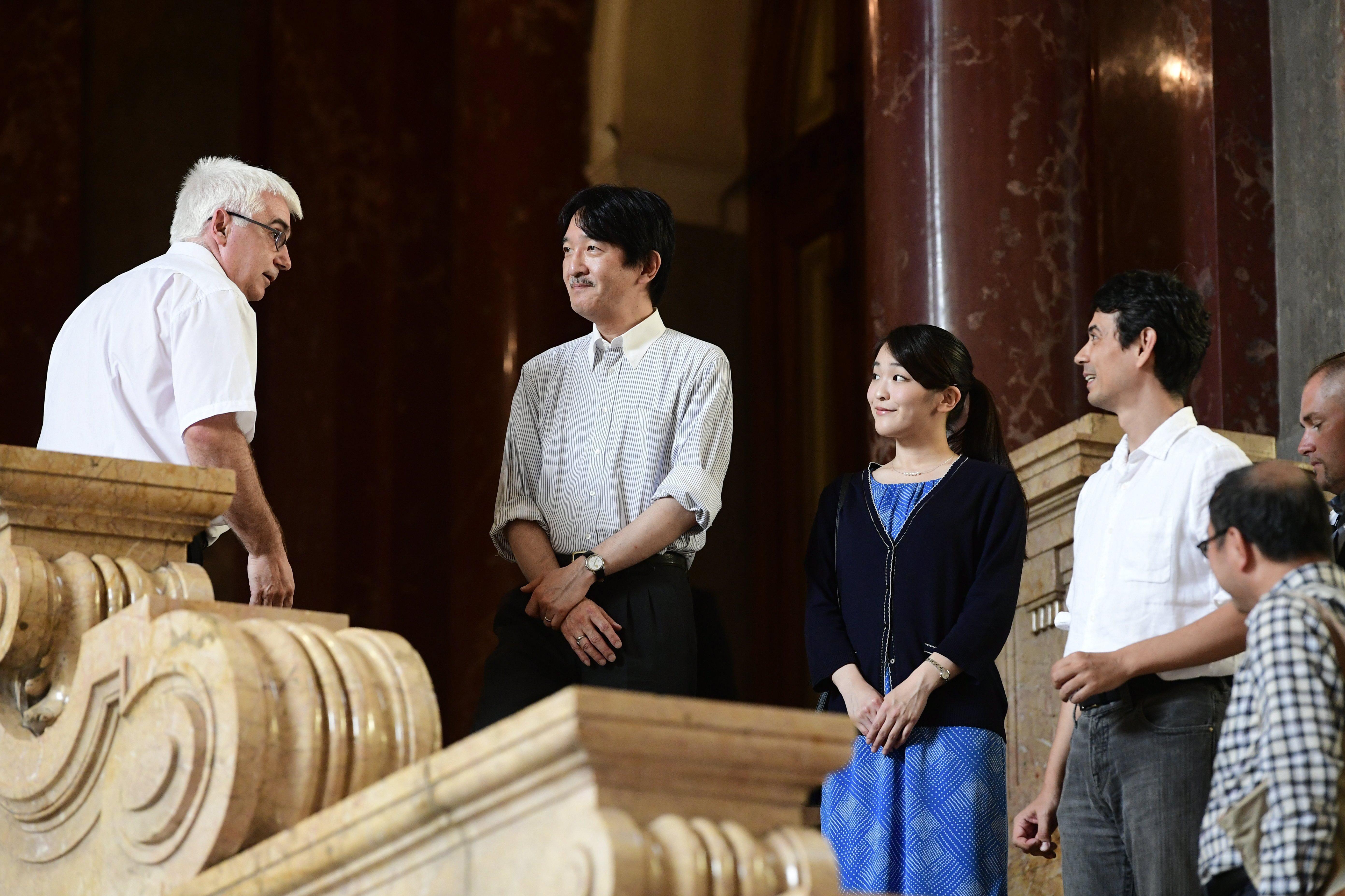 Megérkezett Magyarországra a japán hercegnő, akinek élete egy fordított tündérmese