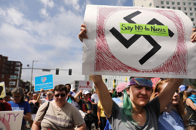 Tízezrek tüntettek Bostonban a rasszizmus ellen