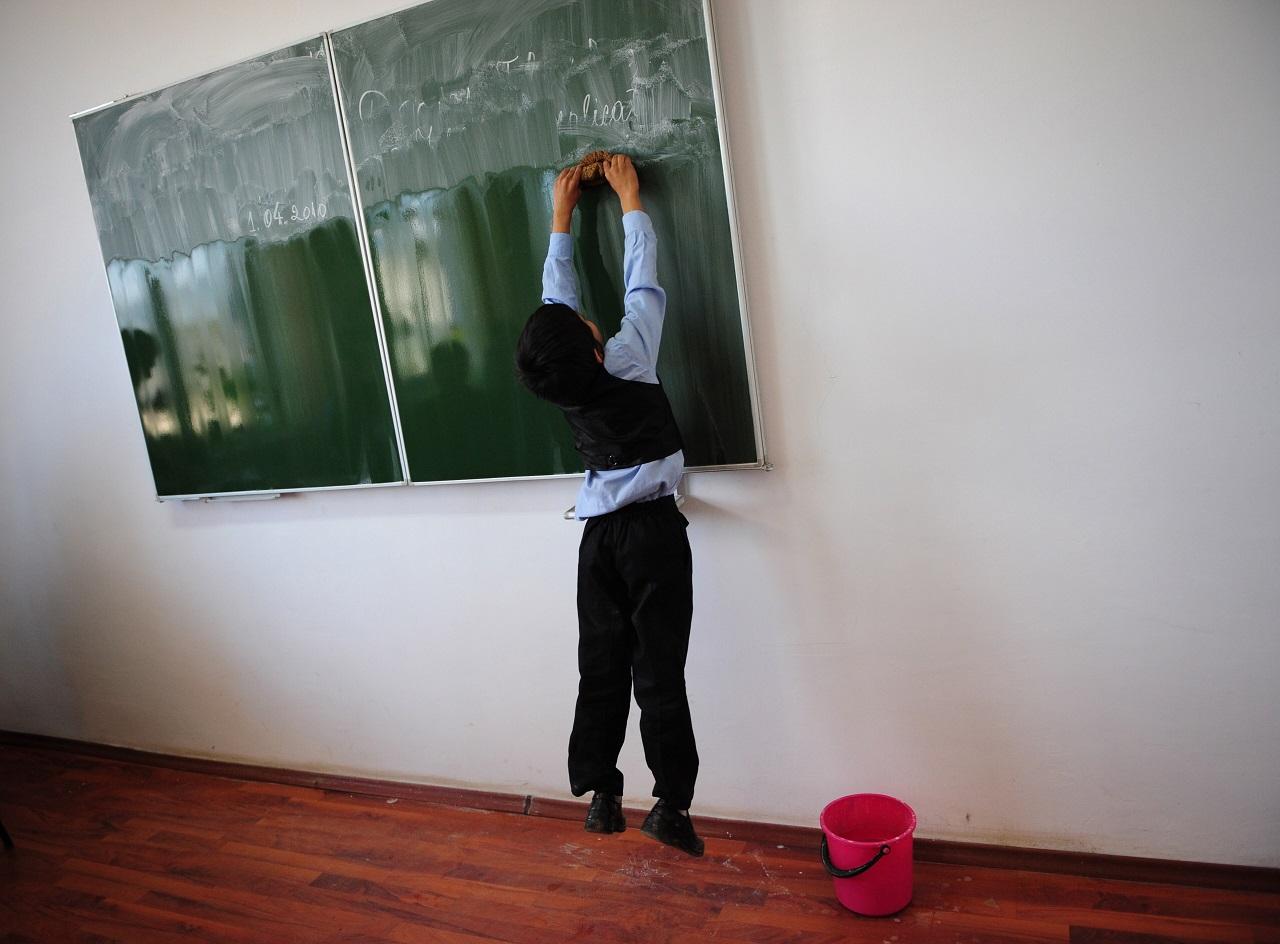 ATV: Akkora a tanárhiány, hogy Cegléden van olyan középiskola, ahol idén még nem volt matek- és angolóra