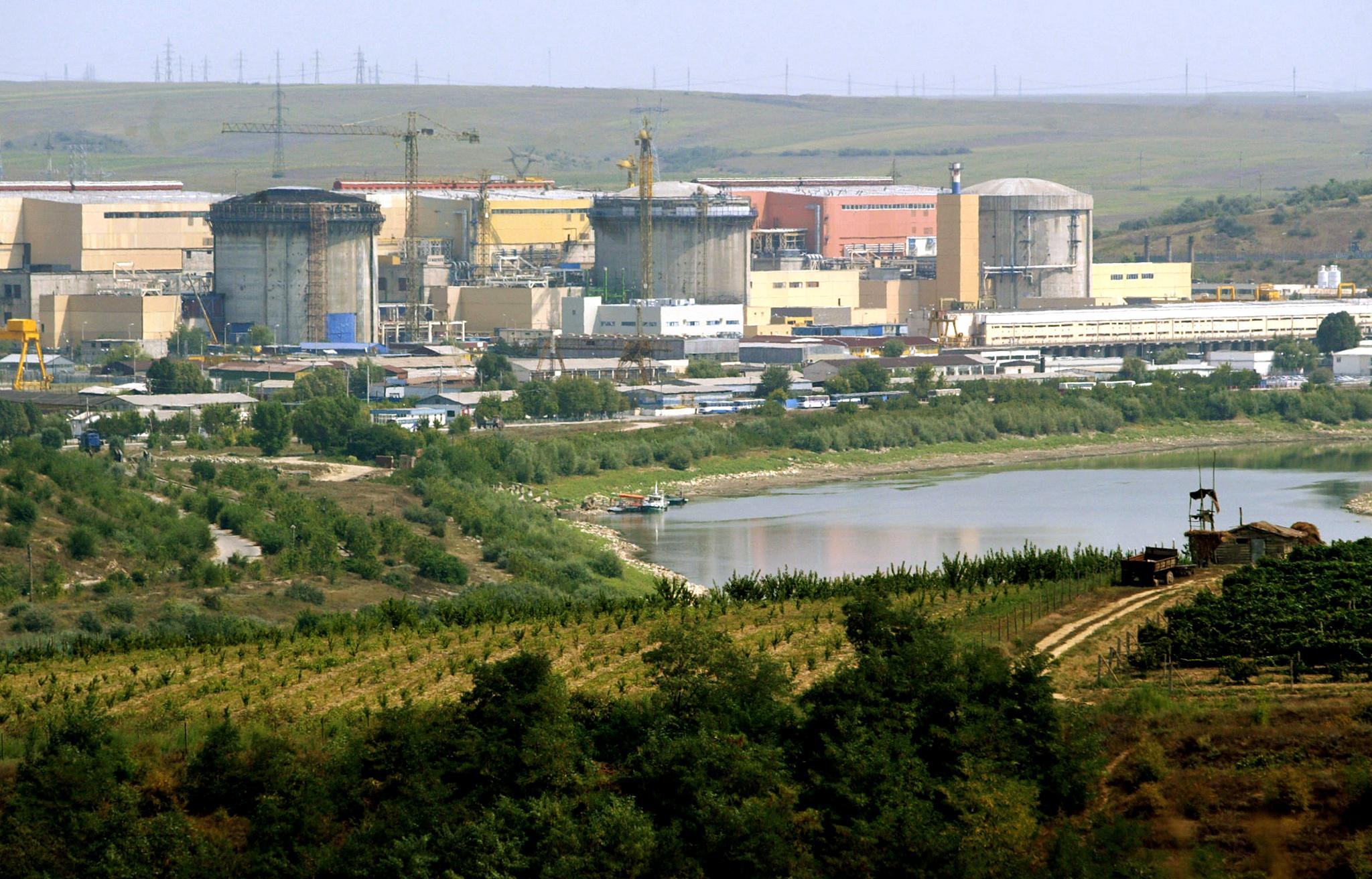 Románia az amerikaiakkal bővít atomerőművet