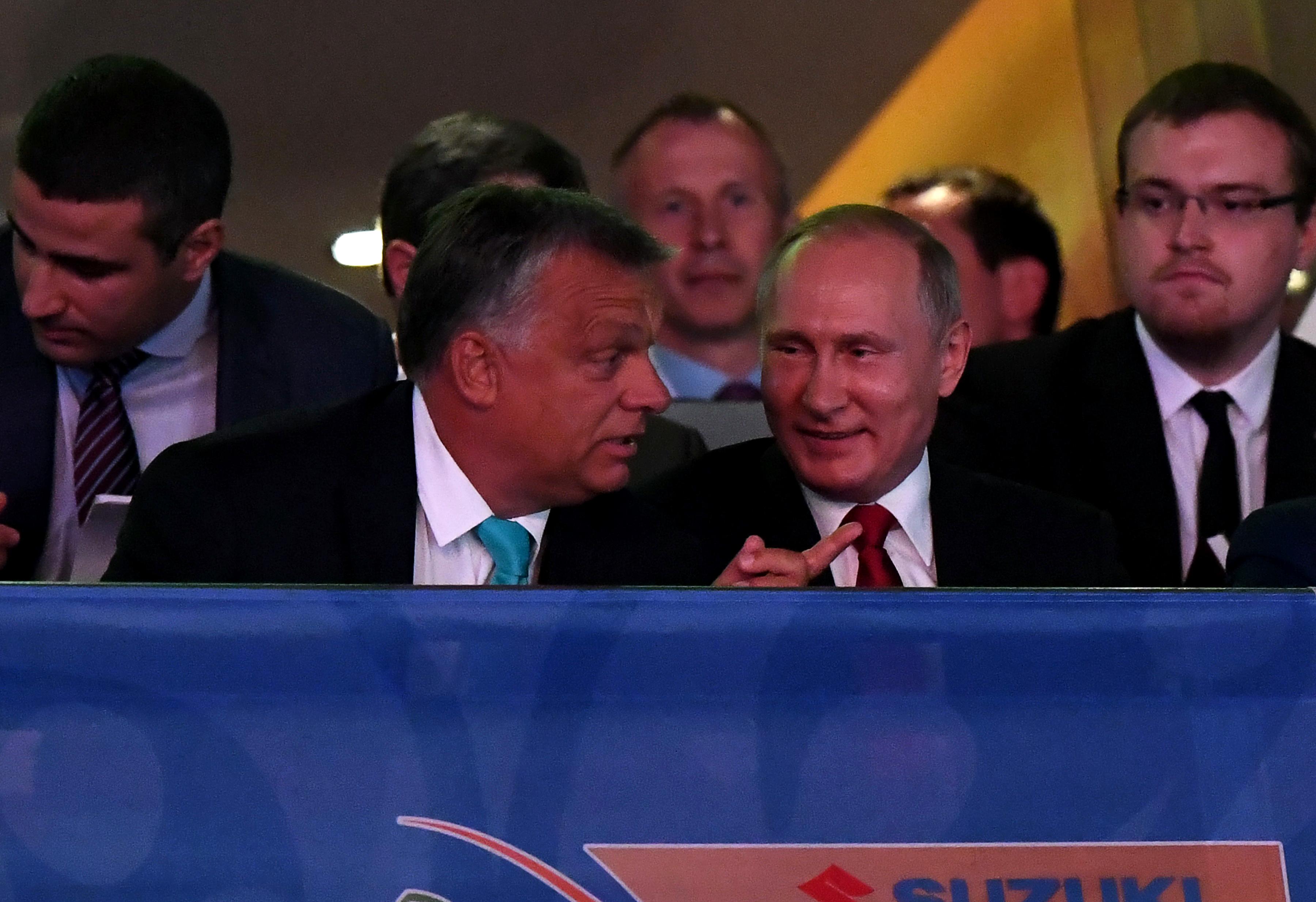 Viktor, köszönöm a meghívást. Ez nem foci, de azért ez is egy jó sport