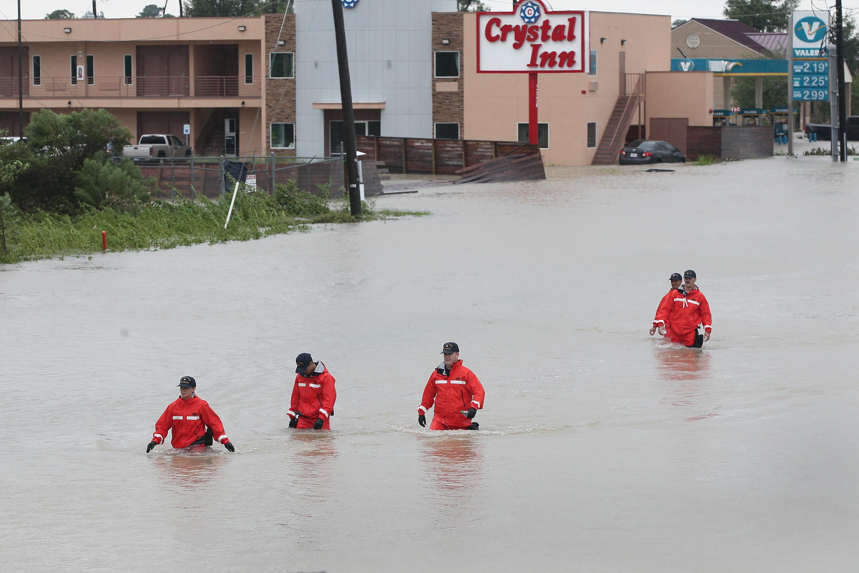 Magyar segélymunkások is részt vesznek a mentésben a Harvey hurrikán után Texasban