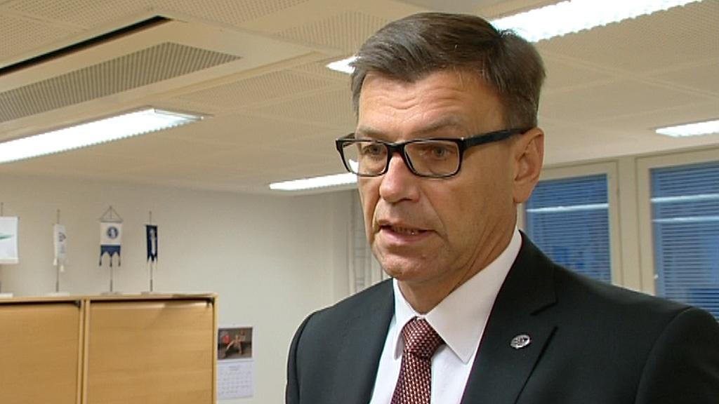 Felfüggesztették a finn legfőbb ügyészt, mert az ügyészég a testvére cégét alkalmazta
