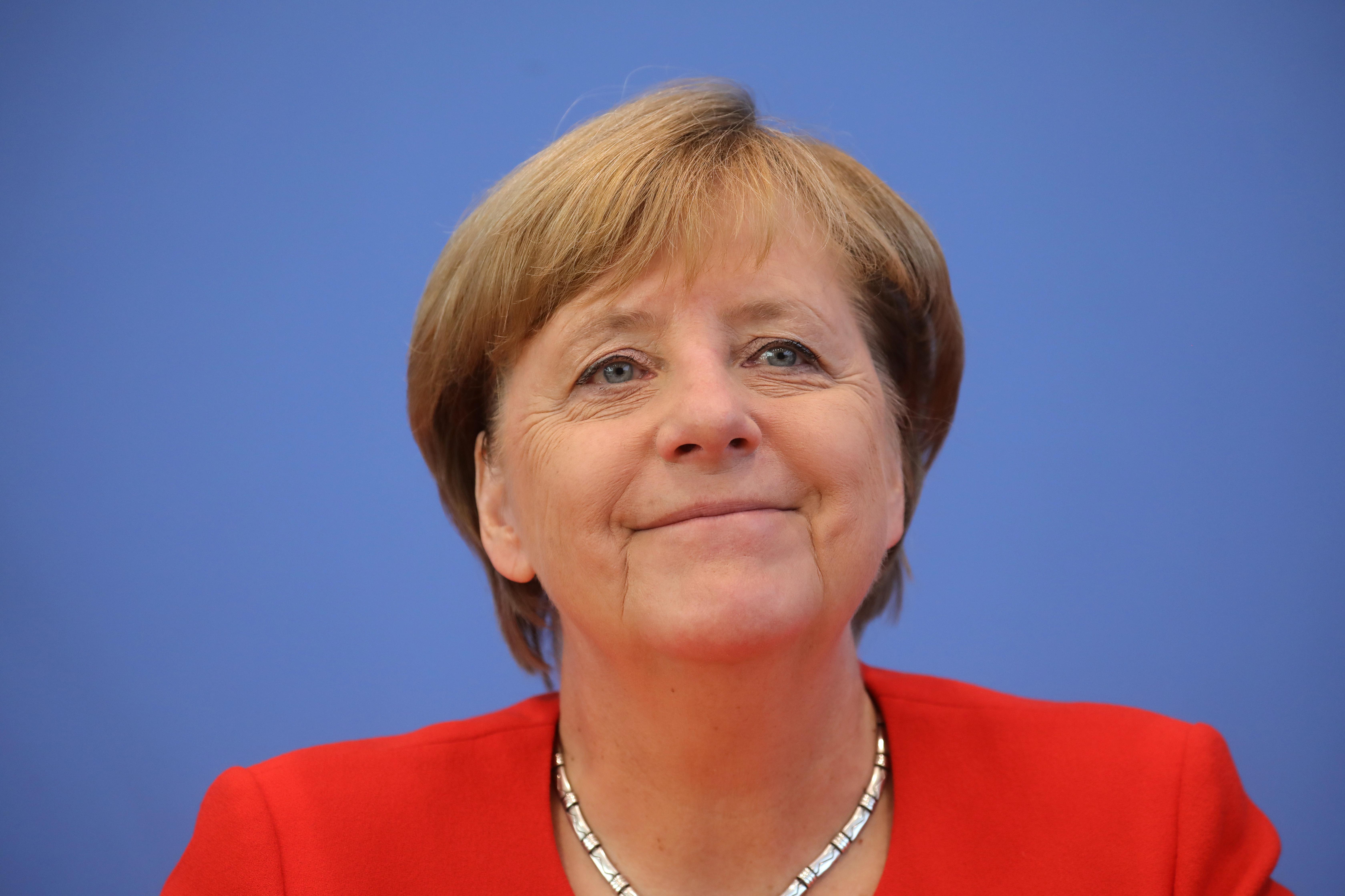 Merkelt negyedszer is kancellárrá választották