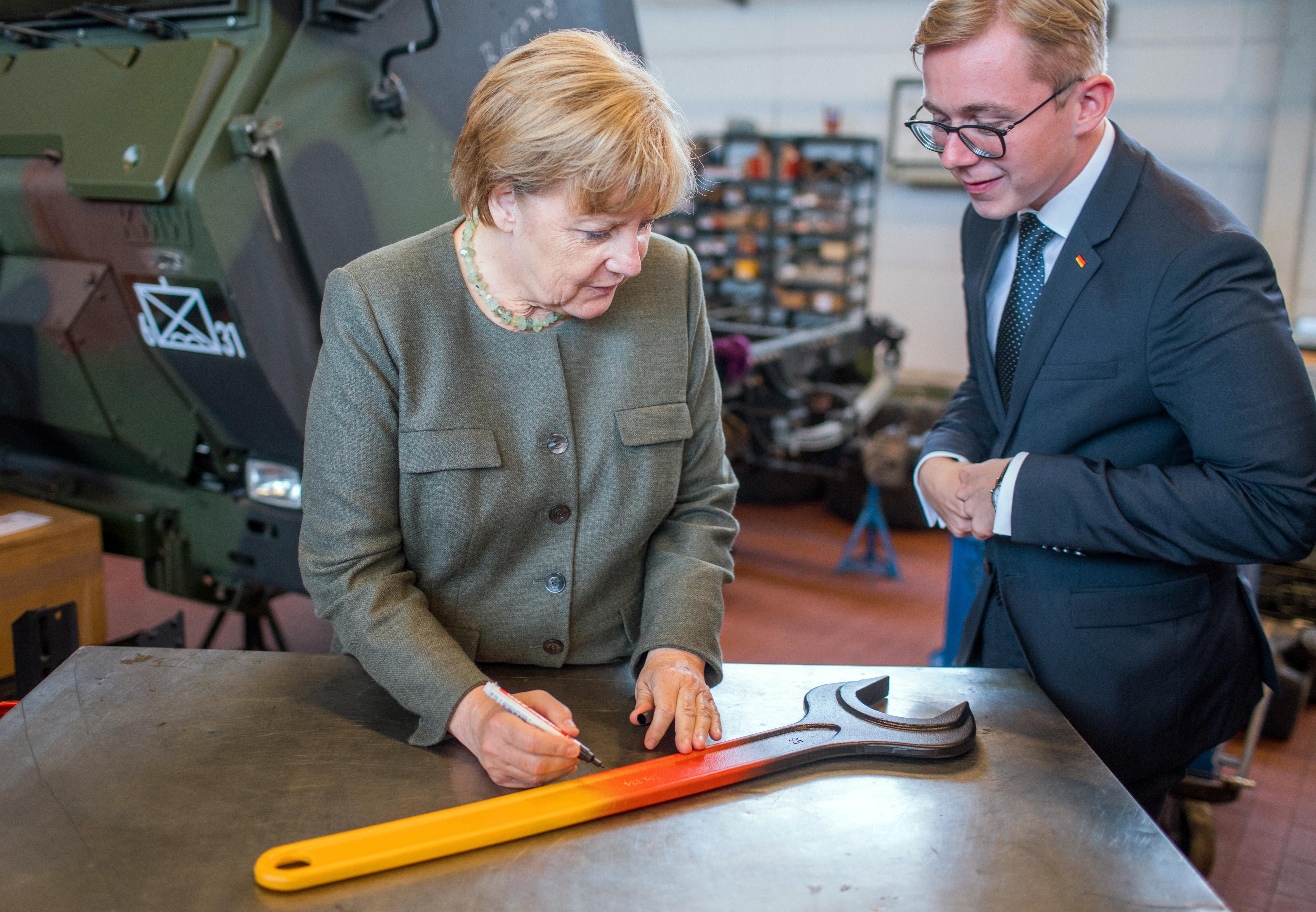 Németország a háború óta először éli át, hogy a demokrácia nehéz is lehet
