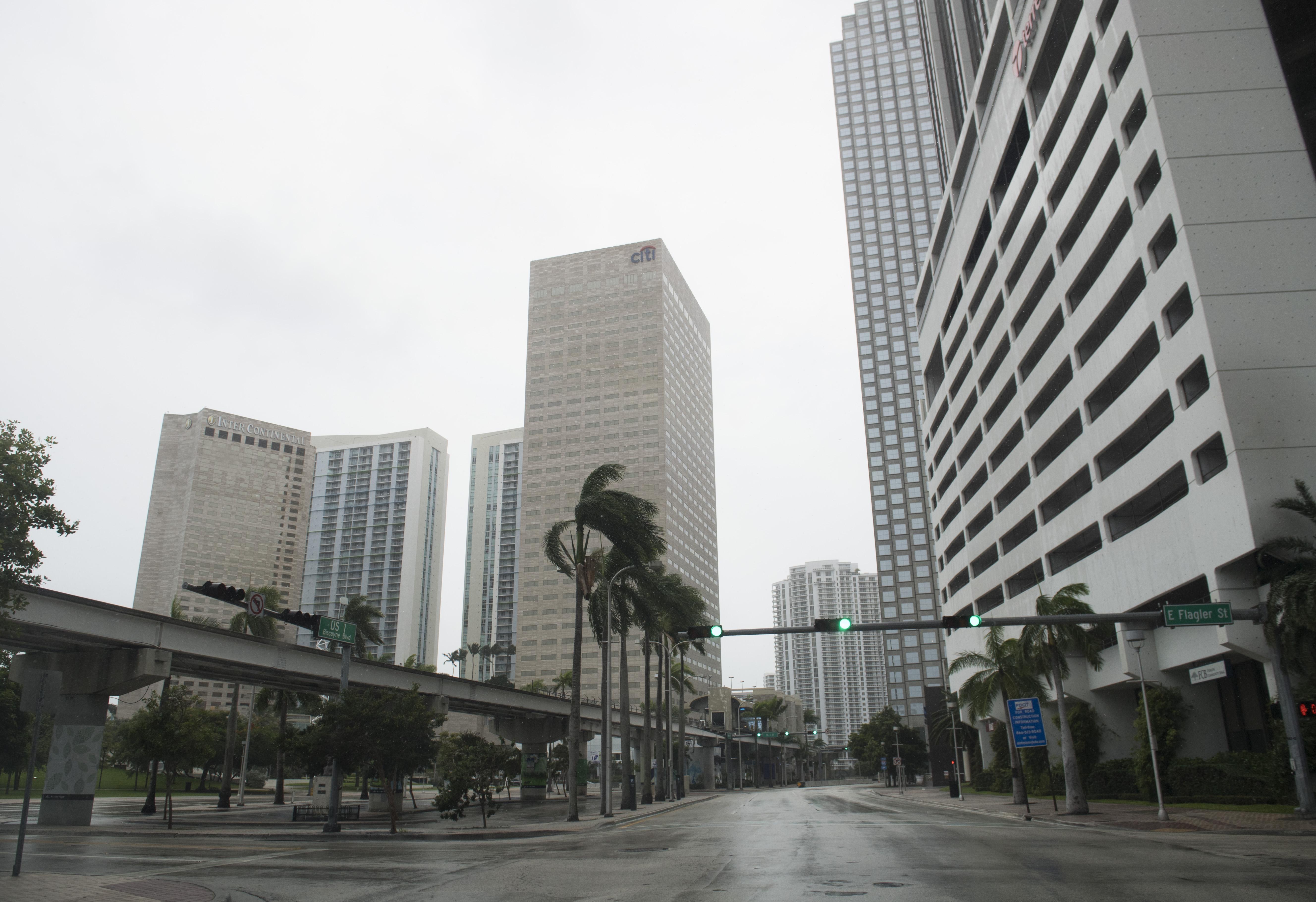 Magyar alkonzulátus nyílik Miamiban, Áder János is kiment a klímaváltozásról beszélni