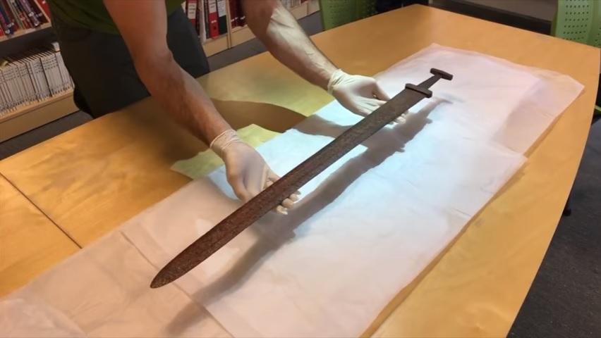 Egy több mint 1000 éves viking kardot talált egy norvég rénszarvasvadász