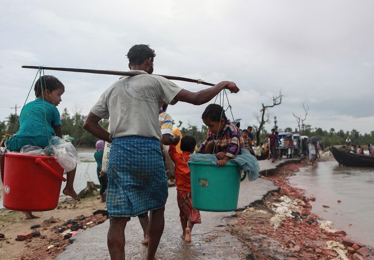 A mianmari hadsereg szerint valójában a rohingyák tehetnek saját üldözésükről