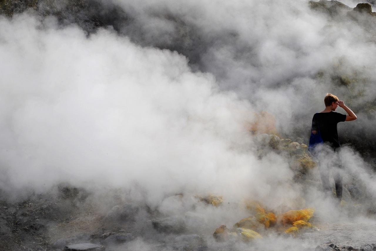 Vulkáni kráterbe zuhant egy olasz család