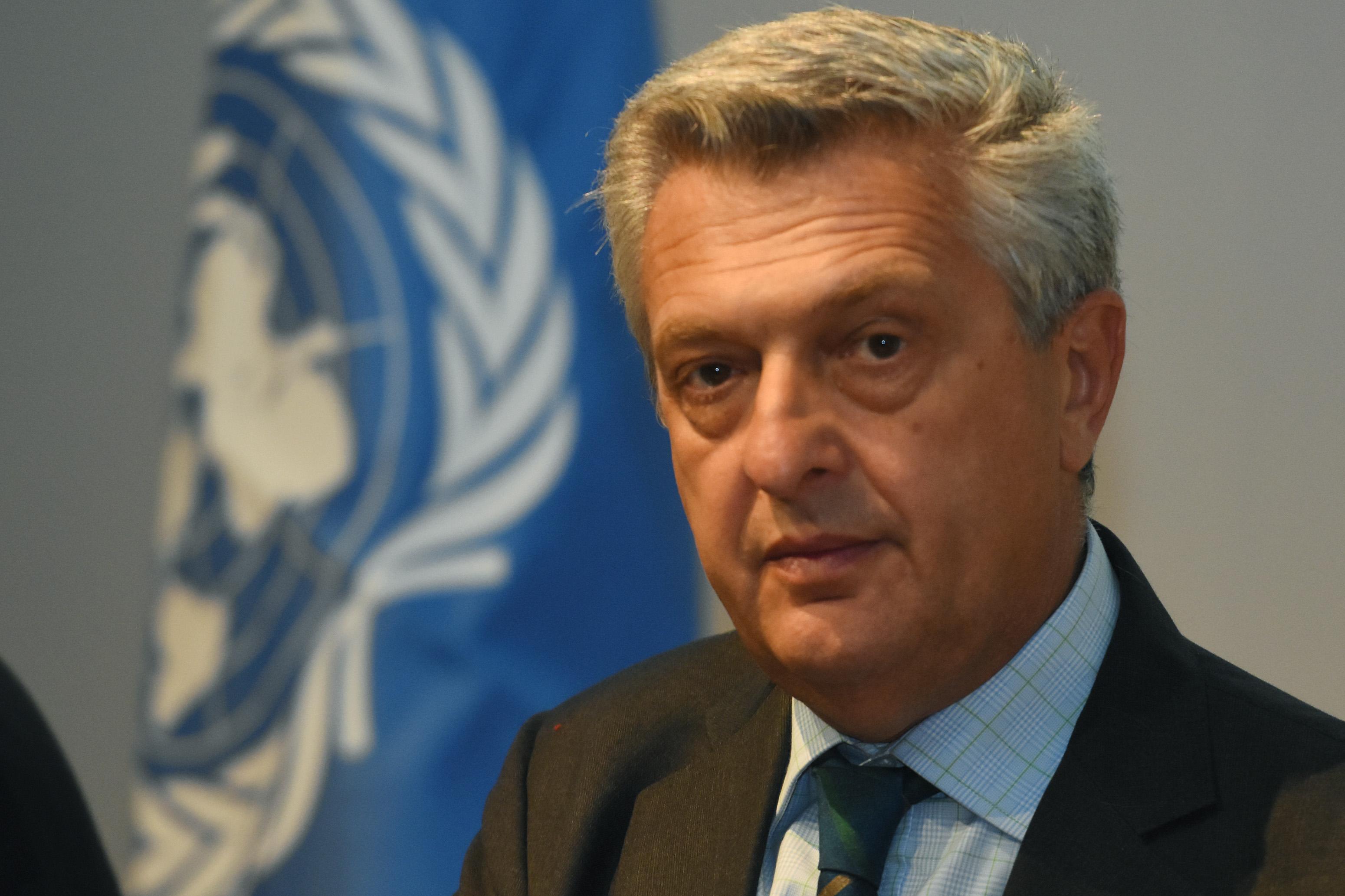 Az ENSZ menekültügyi főbiztosa szerint Magyarország jogtalanul tartja fogva a menedékkérőket