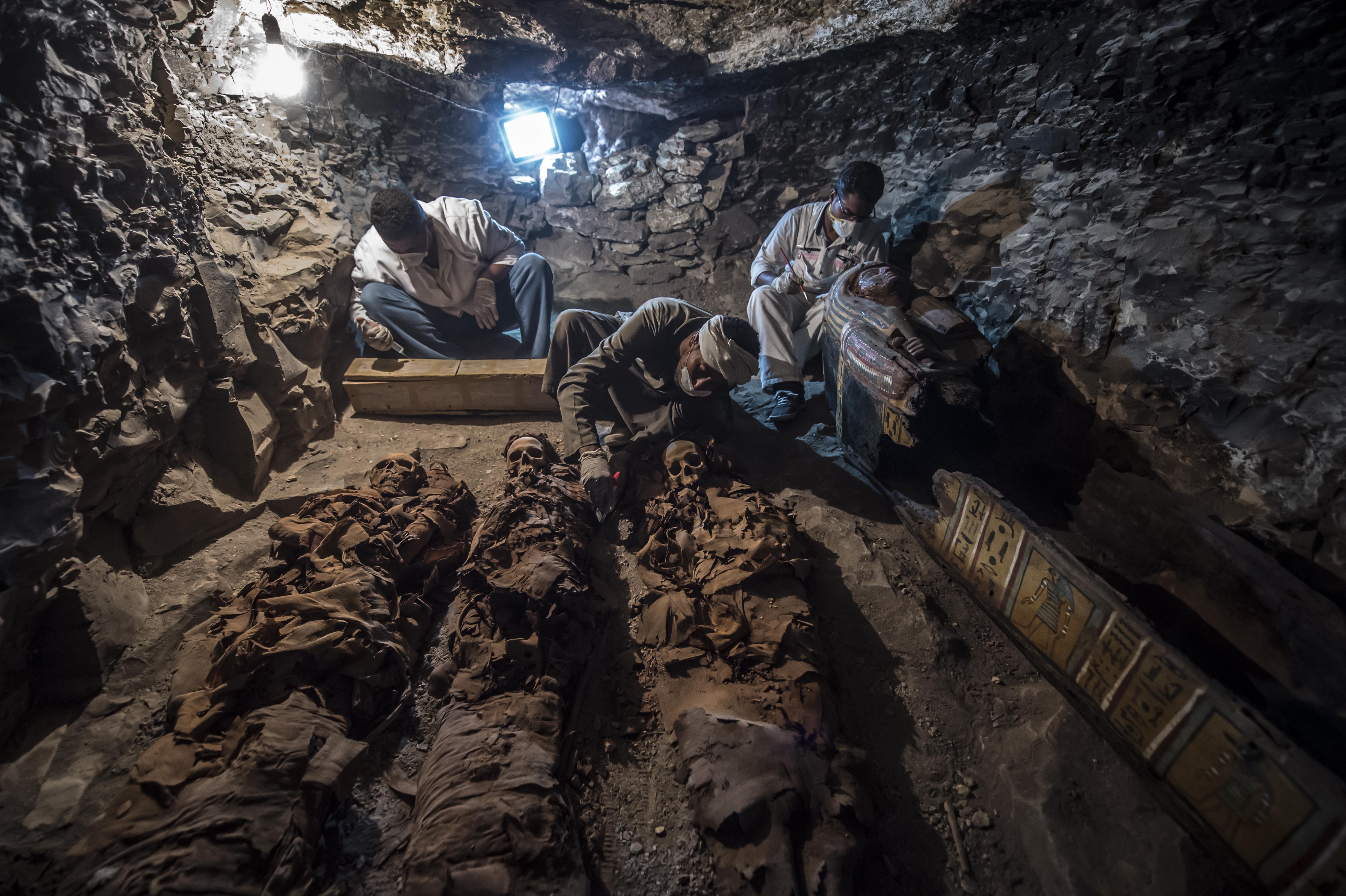 Egy 3500 éve élt aranyműves sírját találták meg Luxorban