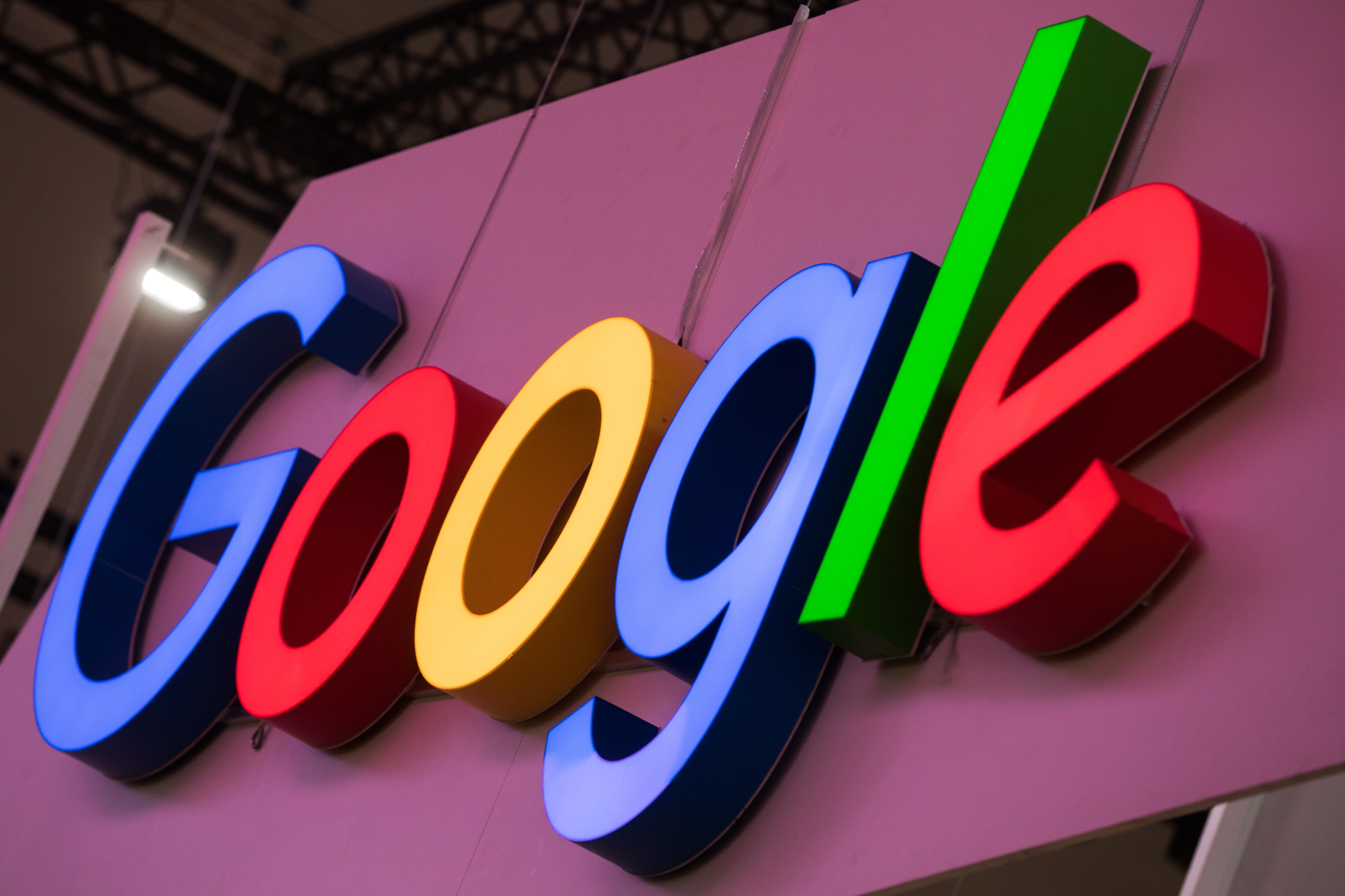 A Google kínai keresőmotorja összeköti az állampolgárok kereséseit a telefonszámukkal