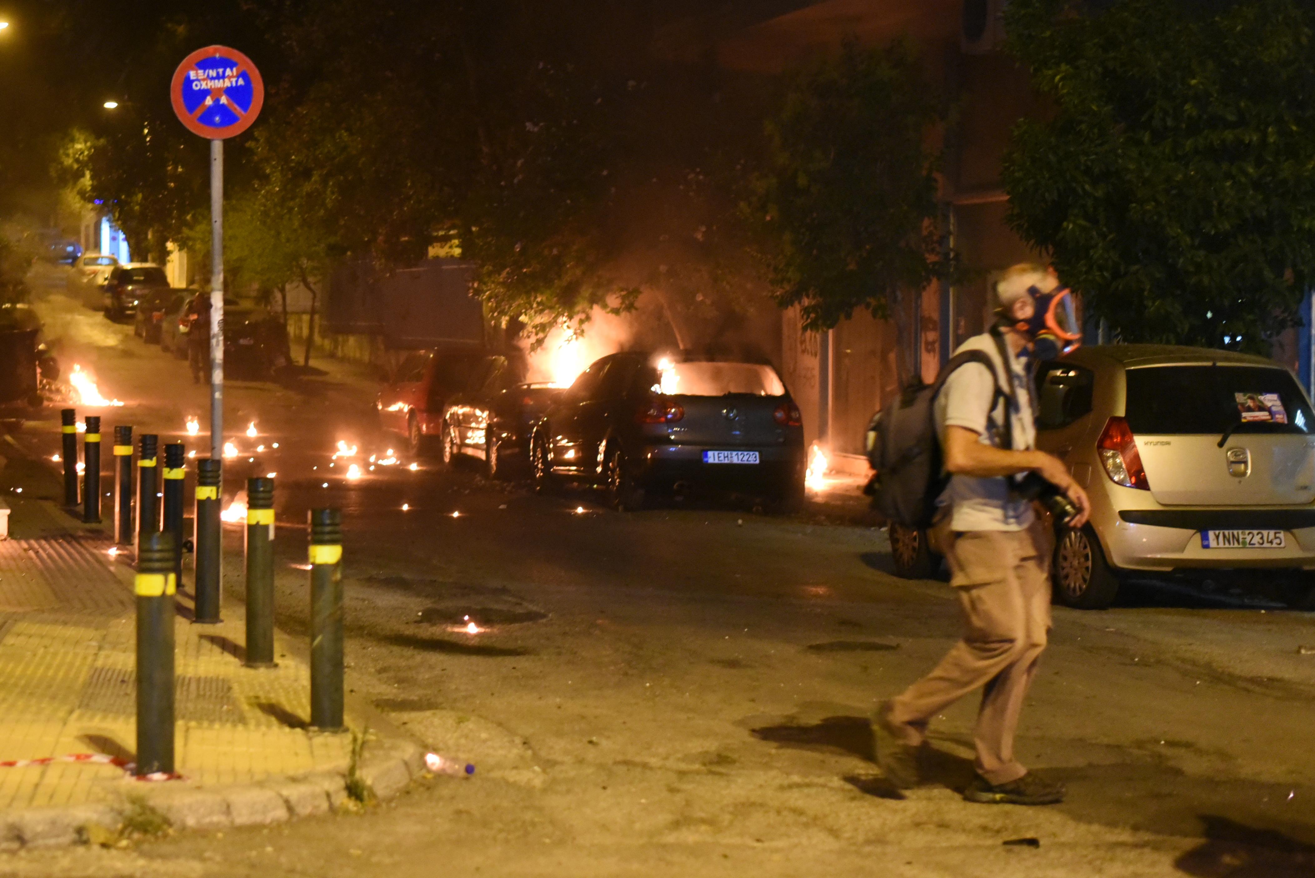 Szélsőbalos tüntetők csaptak össze rendőrökkel Athénban