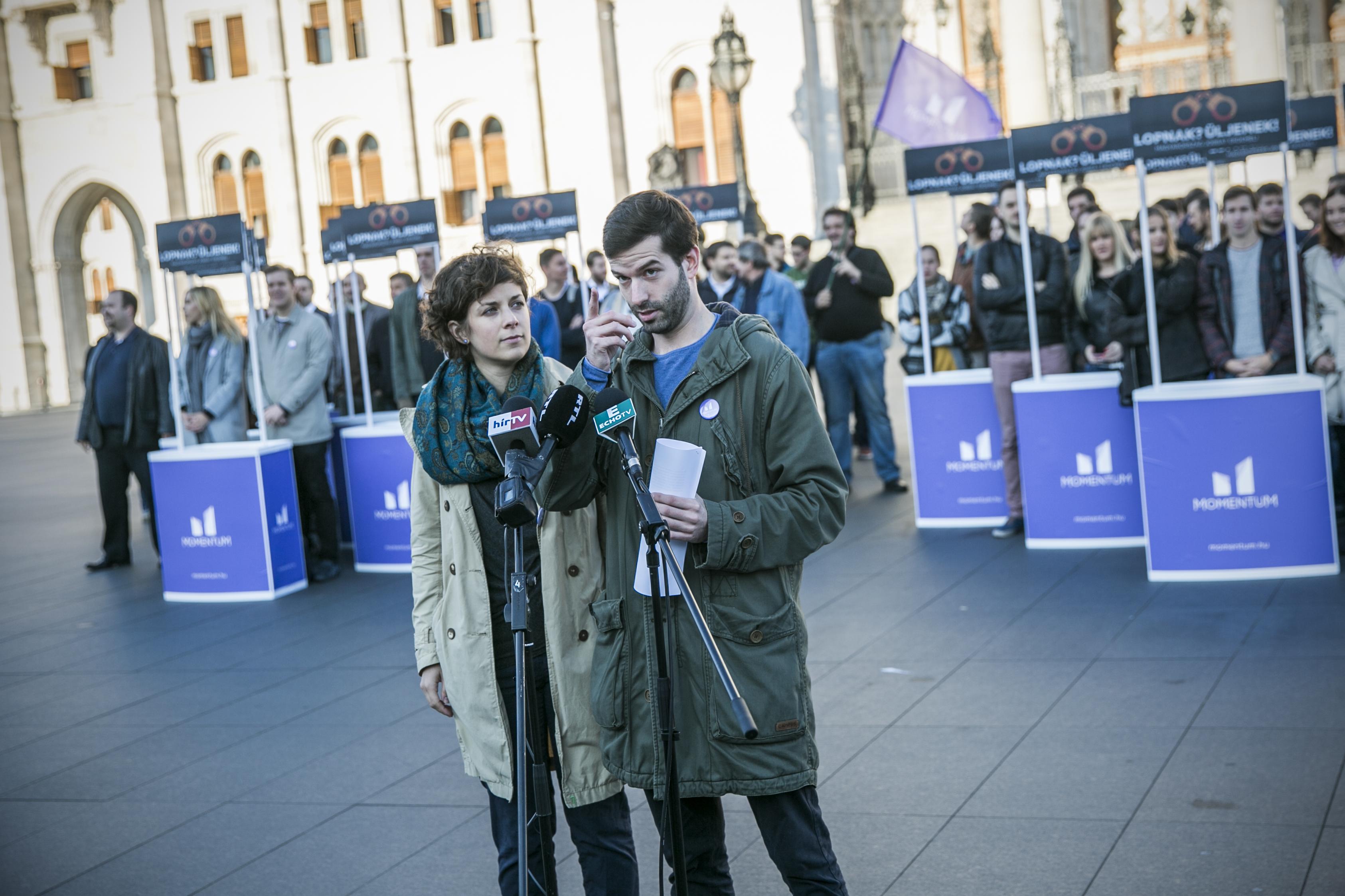 A Momentum bő egy héten belül megkezdi az aláírásgyűjtést a civiltörvényről szóló népszavazáshoz