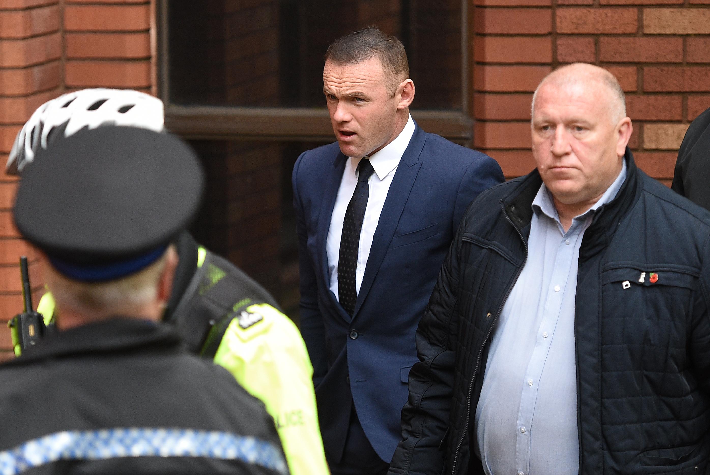 100 óra közmunkára ítélték az ittas vezetésen kapott Rooney-t