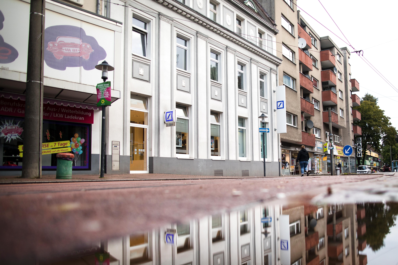Három német bíróság előtt felel azért, mert nem nyújtottak segítséget egy földön fekvő nyugdíjasnak