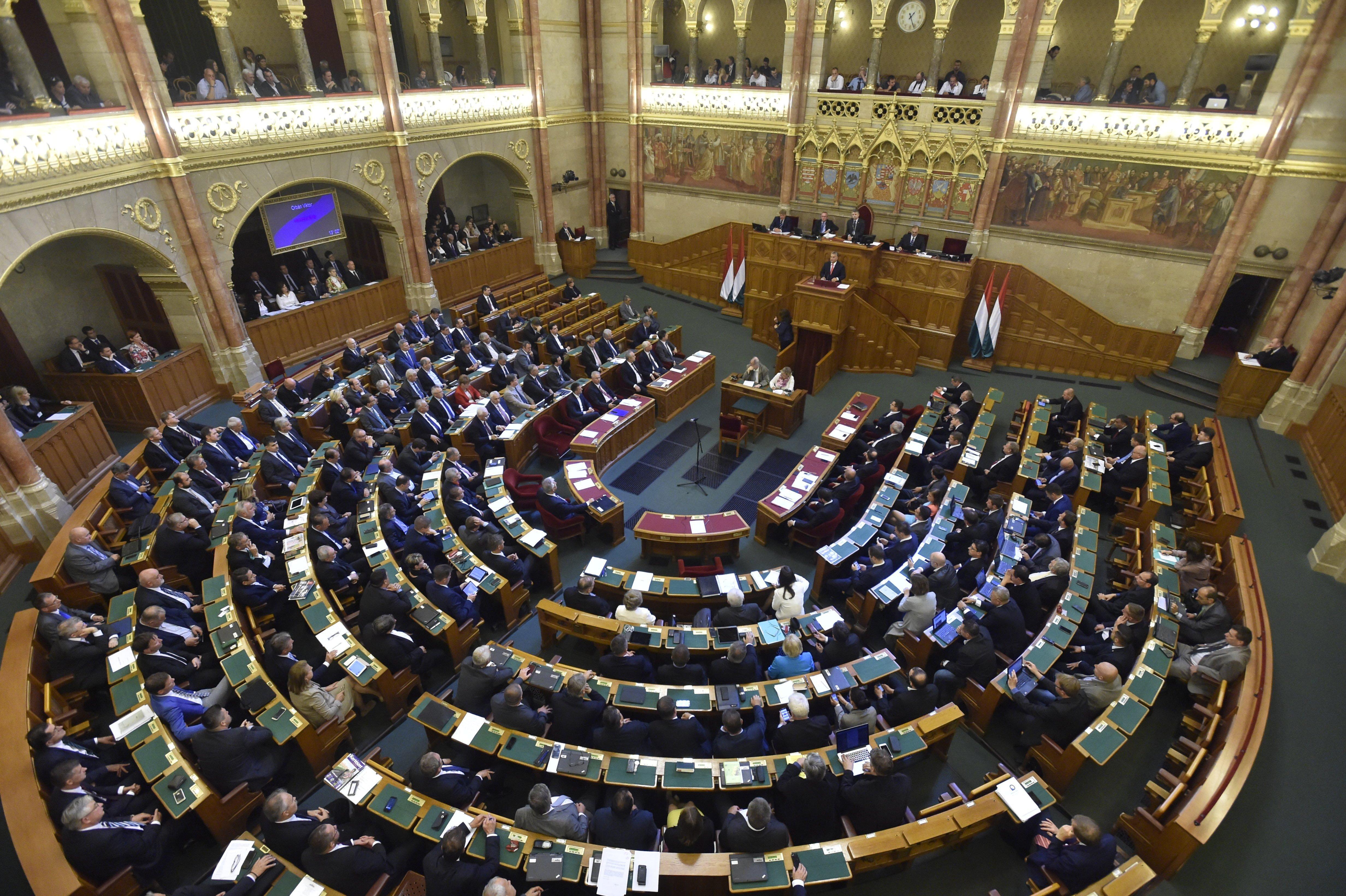 A Fidesz-KDNP elkaszálta az új választási rendszerről szóló javaslatot